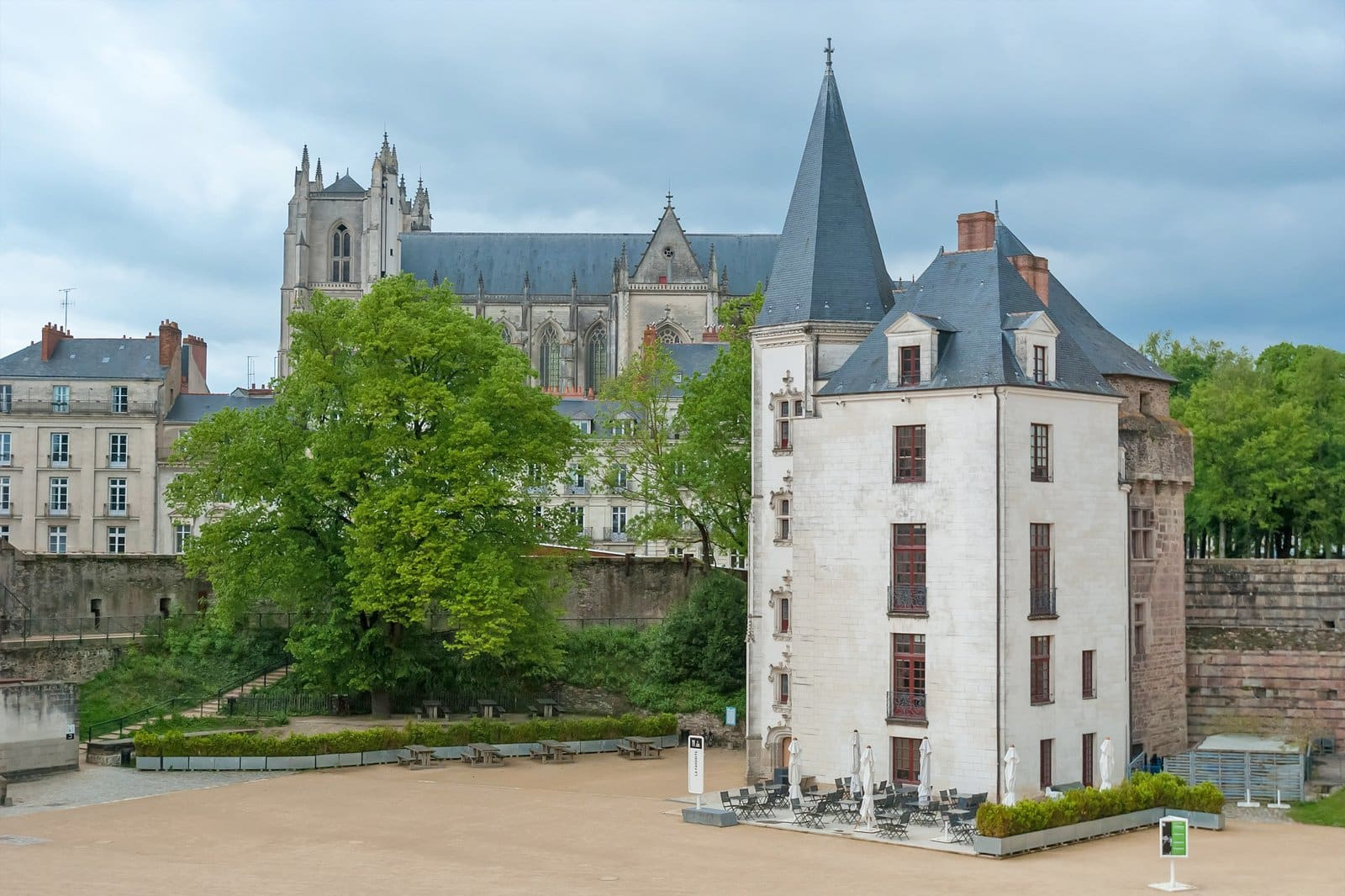 11 Best Things To Do In Nantes - What's Nantes Most Famous For? serapportantà Les Jardins Du Château Annecy