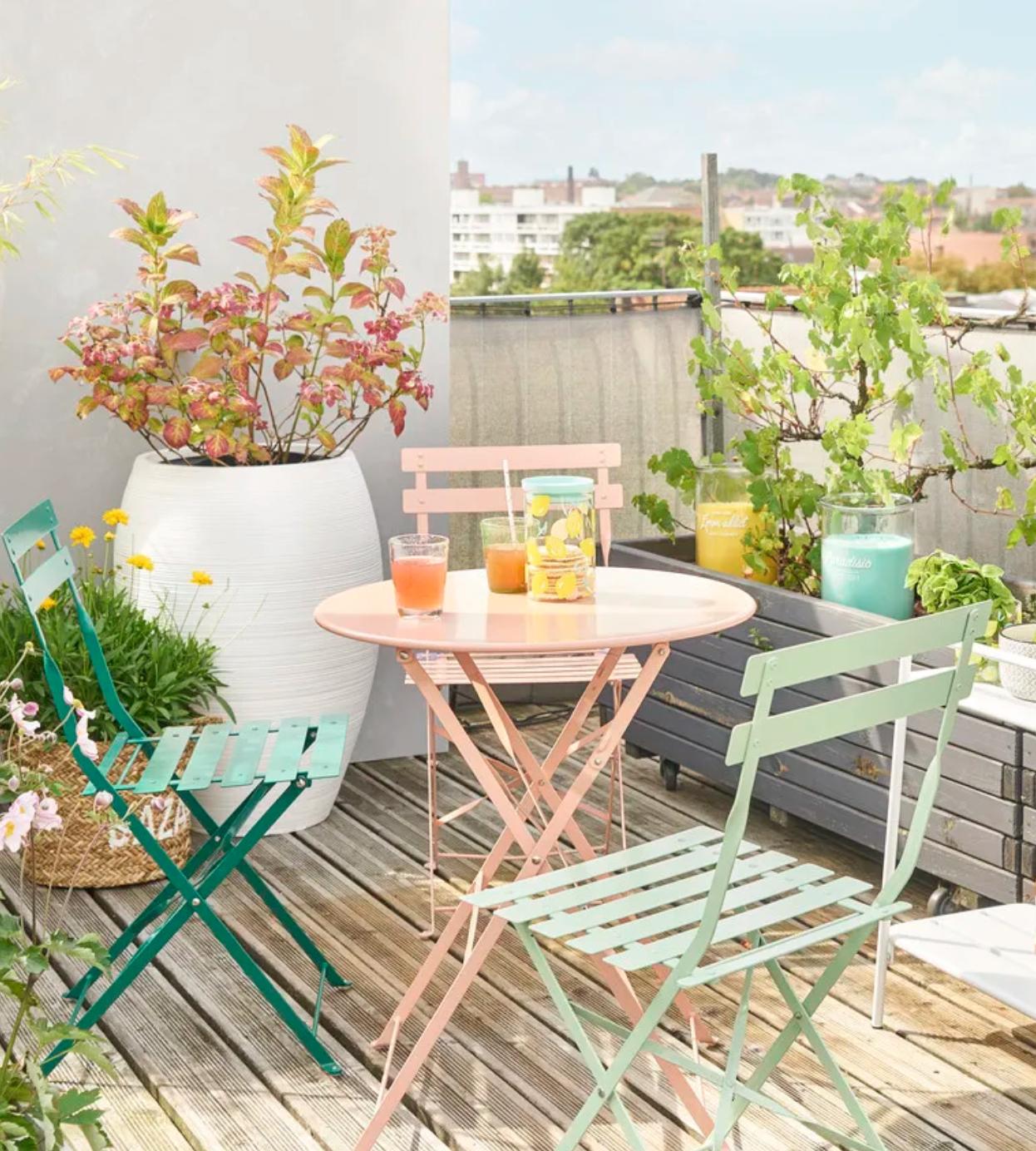 2 Chaises Pliantes De Jardin En Métal Vert D'eau Guinguette ... concernant Table Jardin Rose