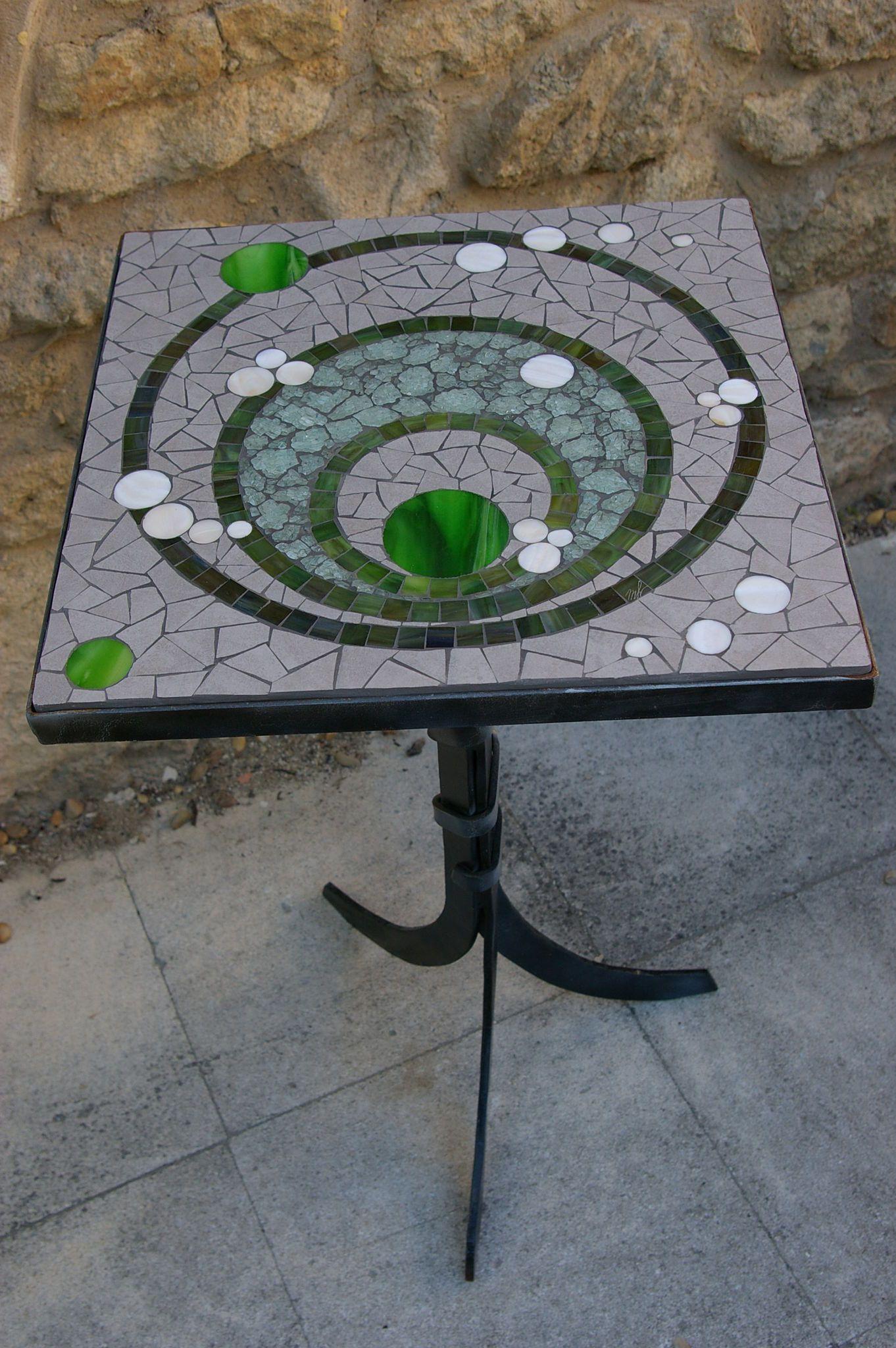 21. Guéridon 45X45Cm Disponible | Table Mosaique, Table De ... dedans Table De Jardin En Carrelage