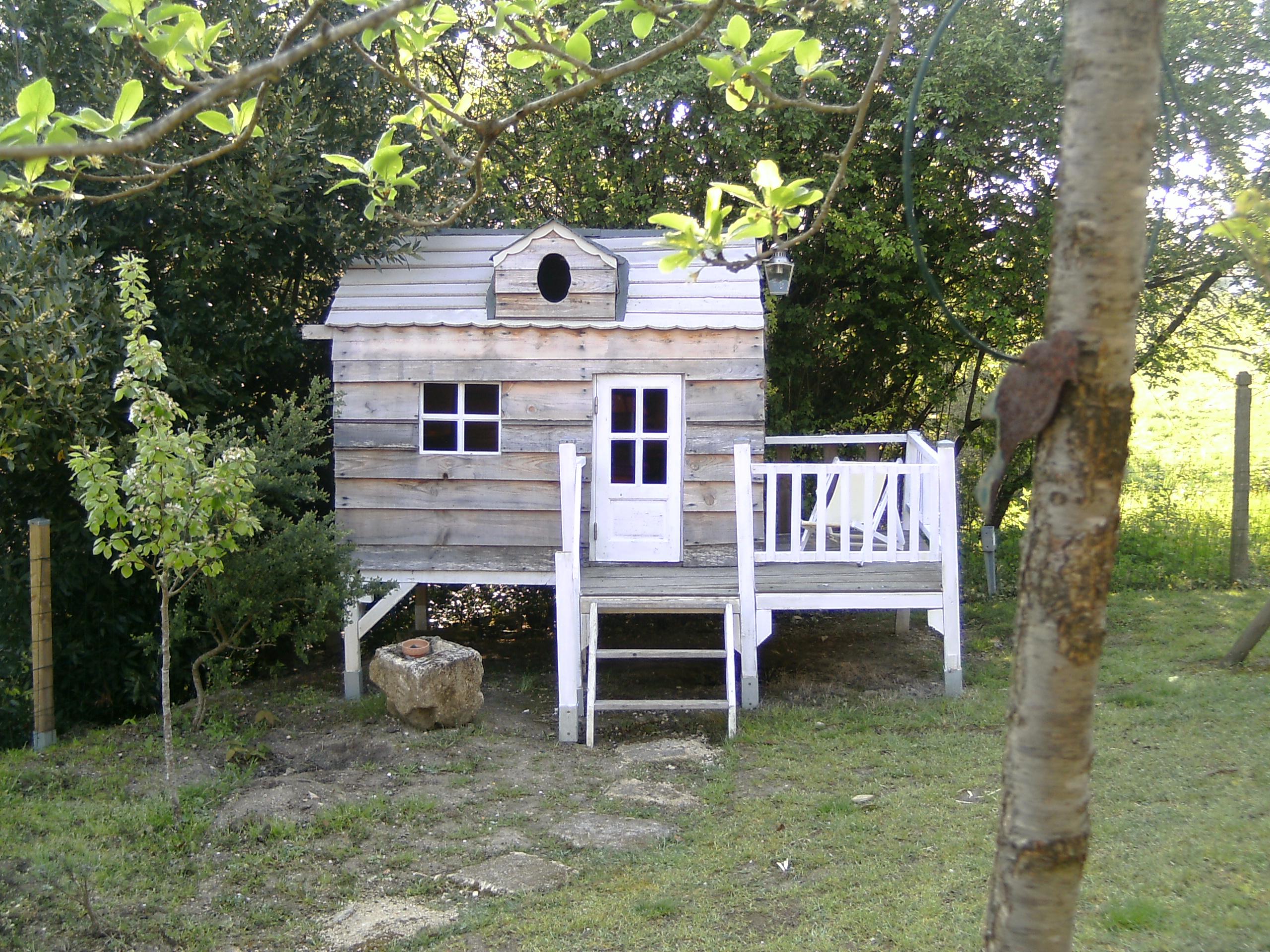 30 Cabanes Pour Les Enfants   Diaporama Photo destiné Cabanne Jardin Enfant