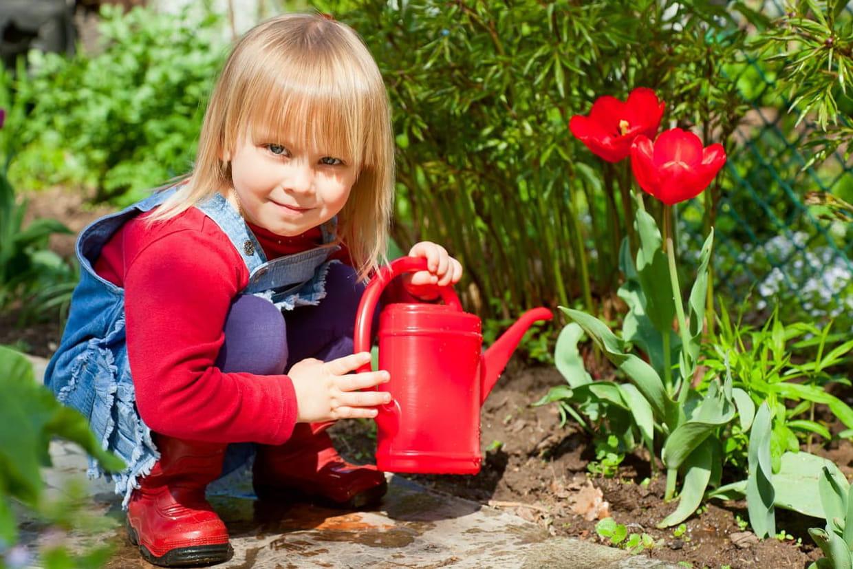 6 Bonnes Raisons De Jardiner Avec Ses Enfants avec Brouette Jardin Enfant