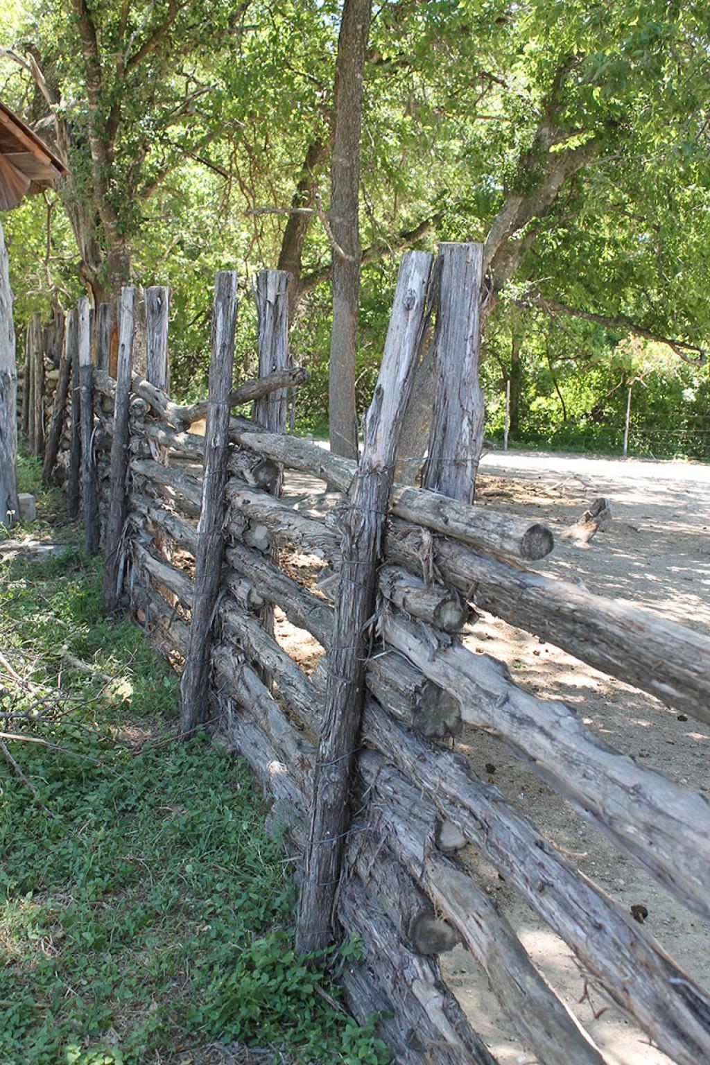 7 Idées De Clôtures Originales À Réaliser Soi-Même serapportantà Panneau Separation Jardin