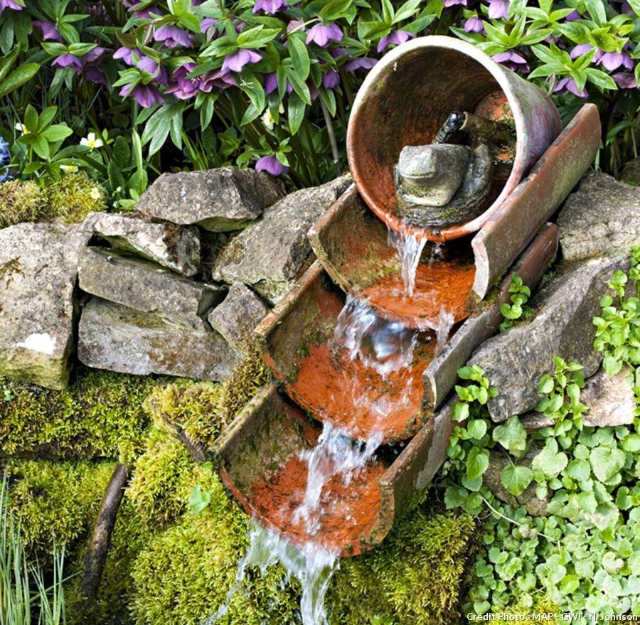 9 Exemples De Fontaines Pour Votre Jardin | Jardin D'eau ... concernant Petite Fontaine De Jardin Pas Cher