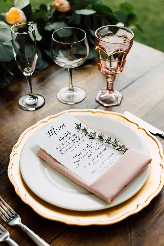 A California Garden Wedding With Romantic Florals | Wedding ... serapportantà Salon De Jardin California