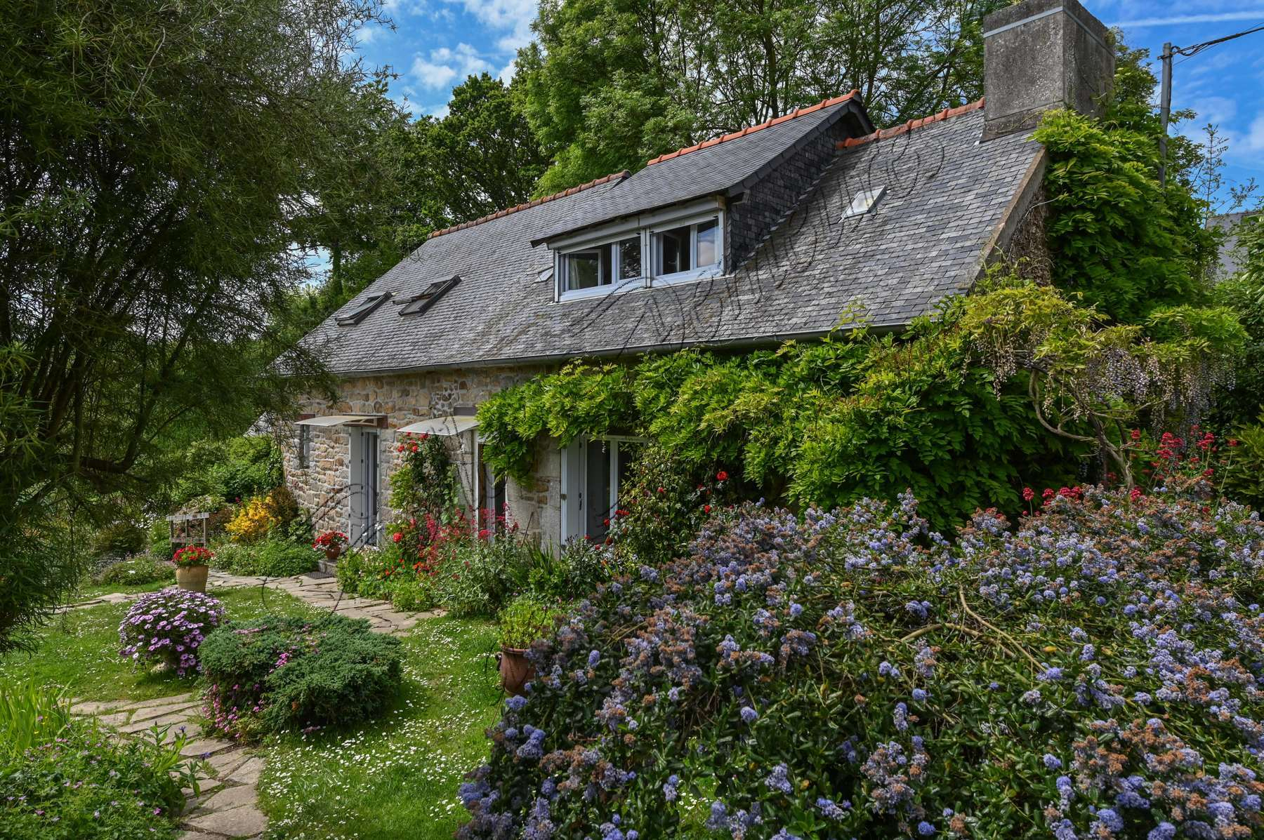 A Vendre Ancien Moulin À Lin Dans Son Environnement Champêtre Côtes D'armor avec Moulin De Jardin A Vendre