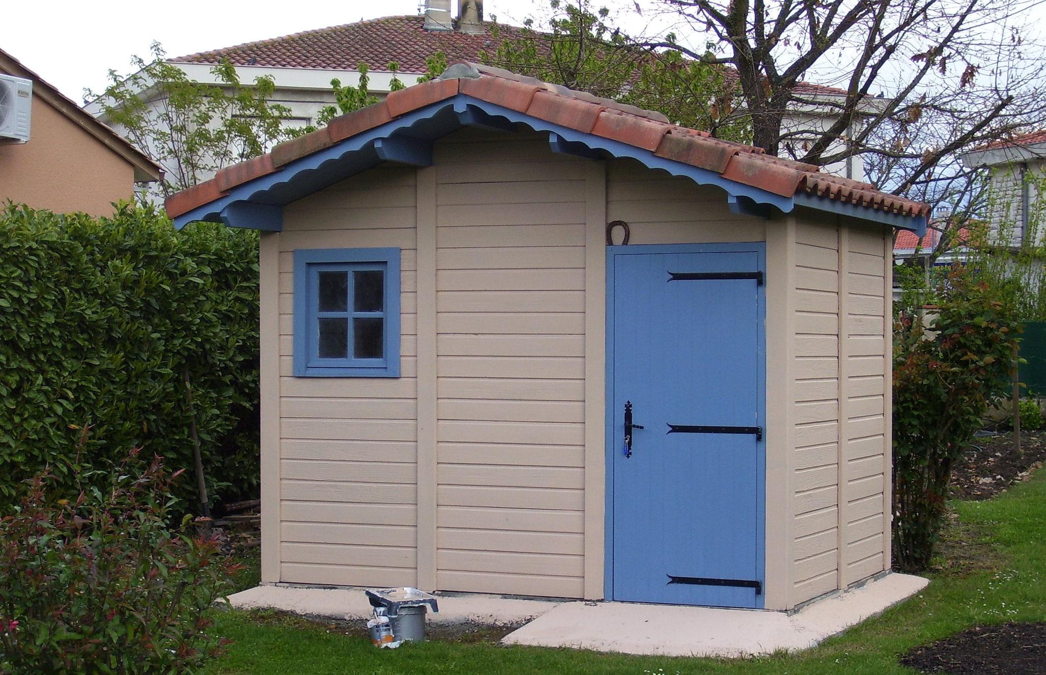 Abri De Jardin En Béton Et Béton Aspect Bois - Priou Et Fils ... intérieur Cabane De Jardin En Beton