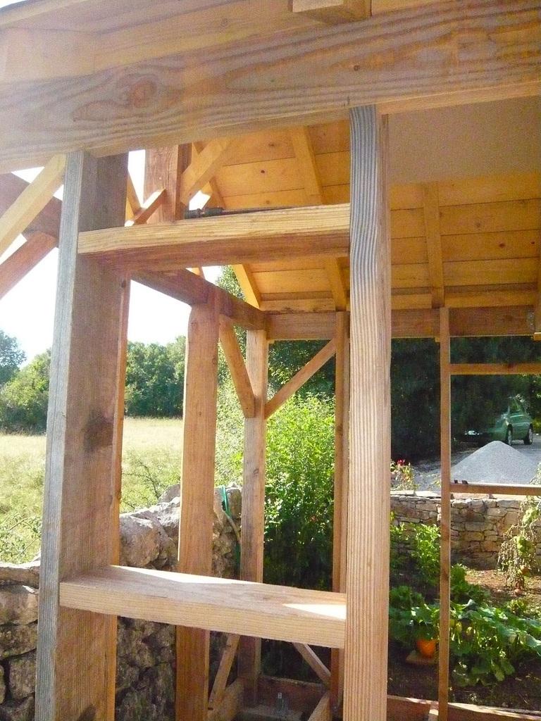 Abri De Jardin En Bois, Cabane De Jardin: La Construction ... à Fabriquer Un Abri De Jardin En Bois