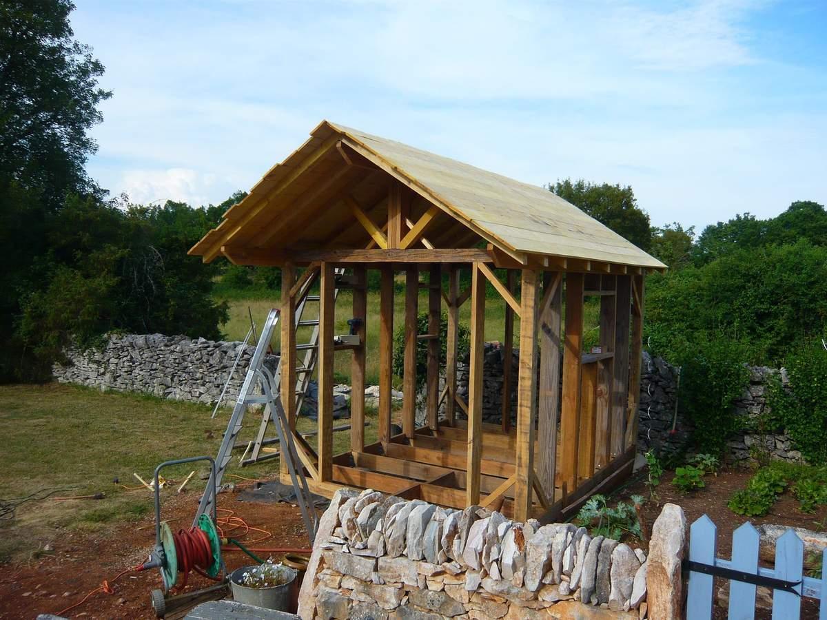 Abri De Jardin En Bois, Cabane De Jardin: La Construction ... concernant Cabane De Jardin Occasion