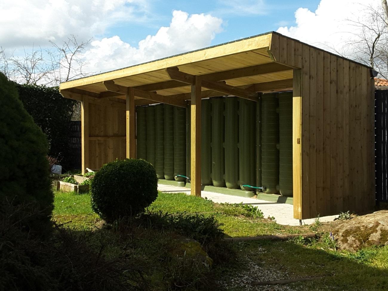 Abris Bois Et Réserve D'eau : Loire - Atlantique. - Ecol'eaumur encequiconcerne Gouttière Pour Abri De Jardin