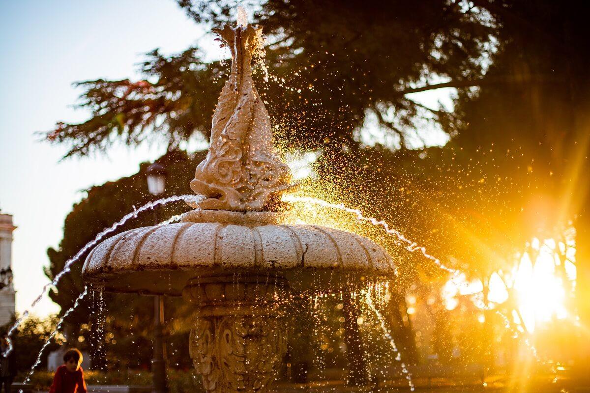 Acheter Les Plus Belles Fontaines De Jardin 2020 En Ligne avec Fontaine De Jardin En Fonte