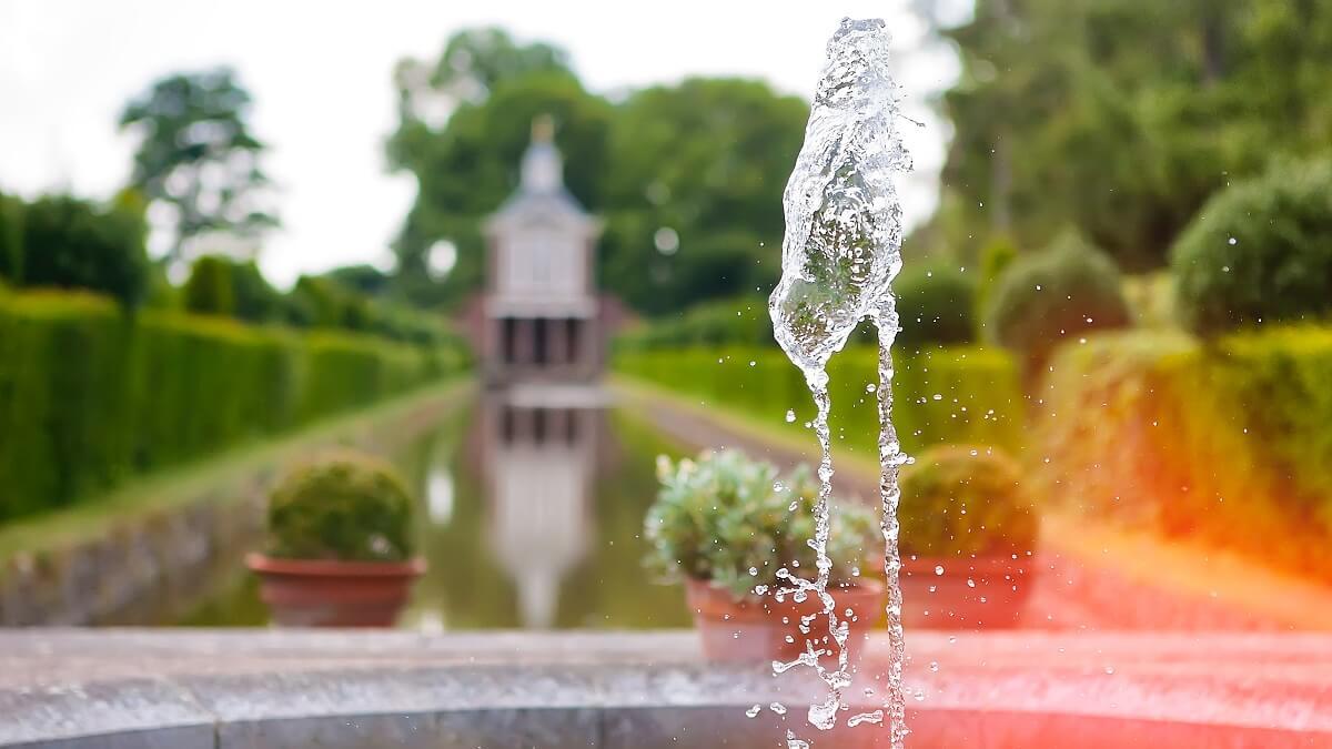 Acheter Les Plus Belles Fontaines De Jardin 2020 En Ligne serapportantà Fontaine De Jardin En Fonte