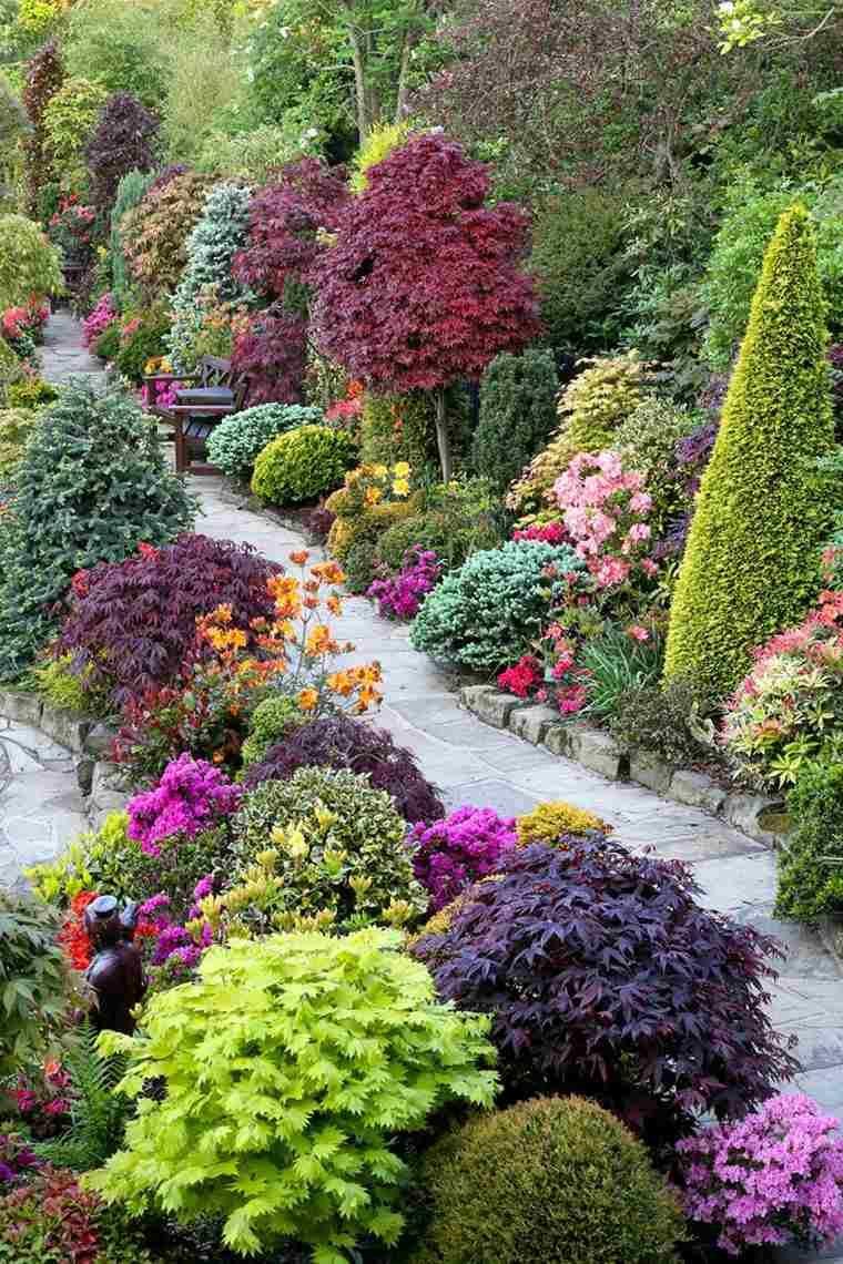 Aménagement D'allée De Jardin En Pierre Et Décoration Avec ... encequiconcerne Amenagement Jardin Avec Pierres