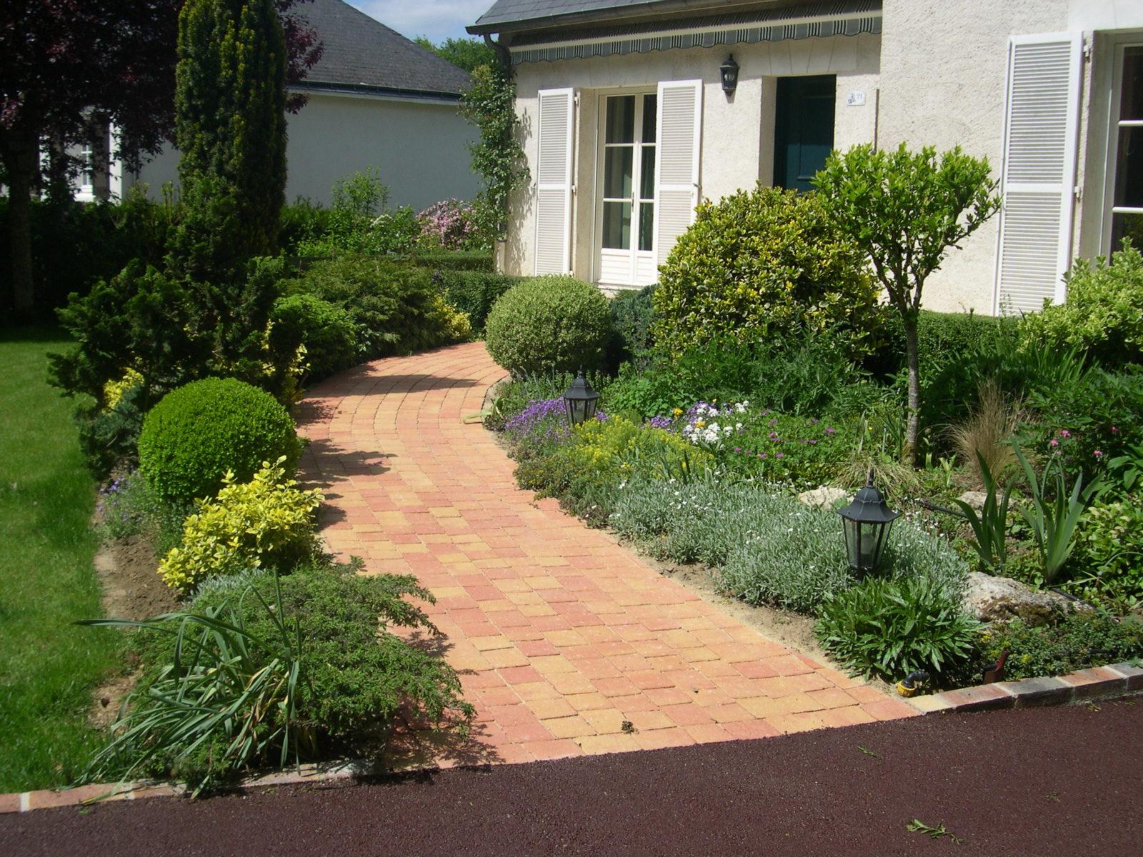 Aménagement D'allée Extérieure (Maison, Jardin, Garage ... concernant Exemple D Aménagement De Jardin