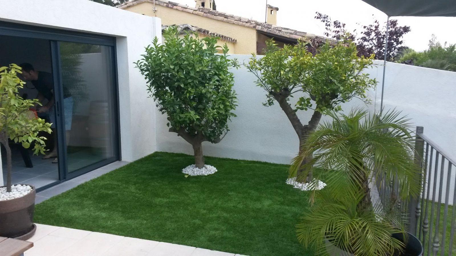 Aménagement Jardin Avec Gazon Synthétique, Marignane - Vente ... encequiconcerne Aménagement Jardin Pas Cher