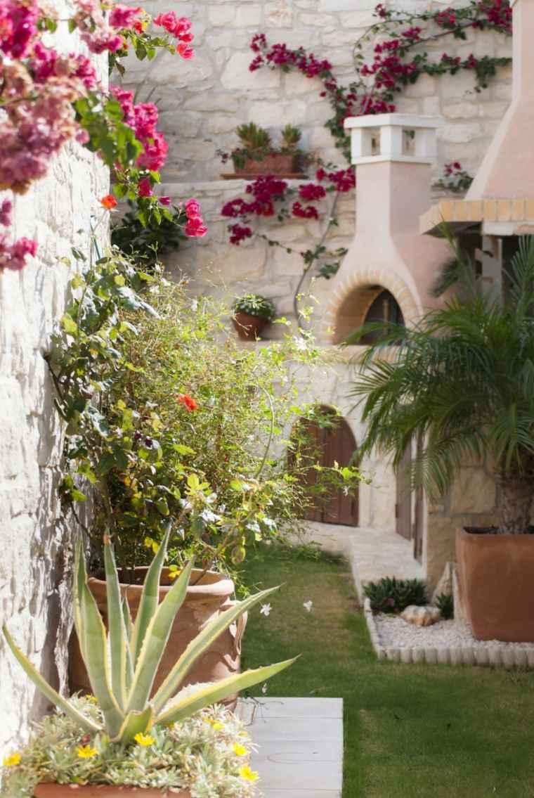 Aménagement Jardin Extérieur Méditerranéen : Quelles Plantes ... avec Exemple De Jardin Méditerranéen