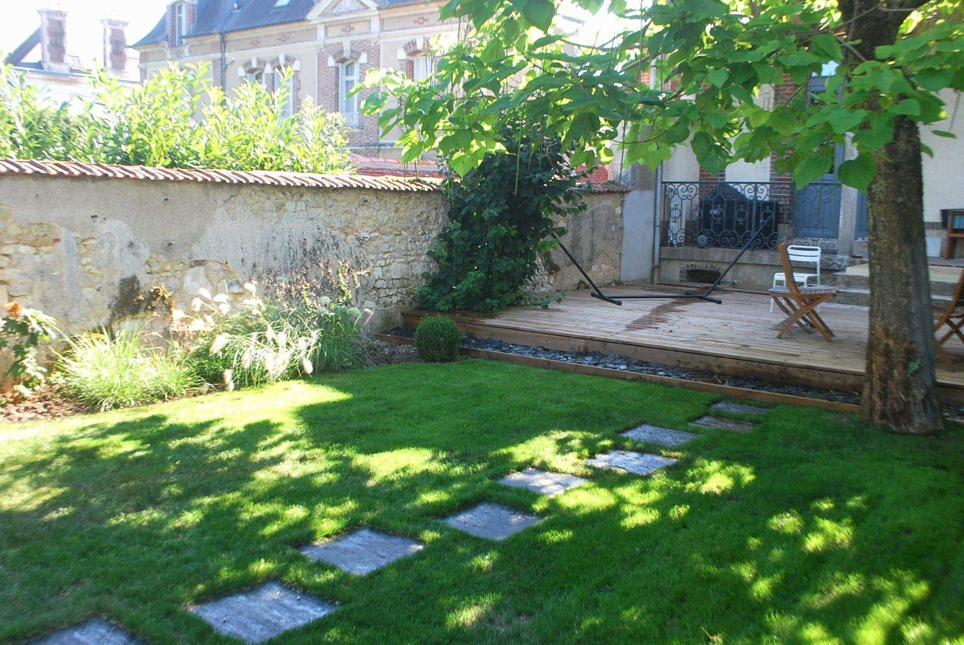 Amenagement Terrasse Pas Cher Amenagement Terrasse Pas Cher ... serapportantà Modele De Jardin Avec Galets