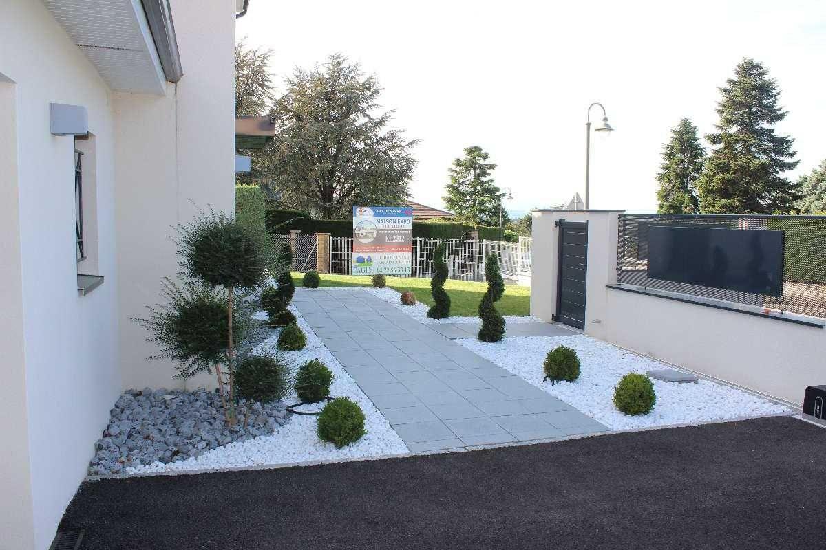 Amenager Entree Extérieure Maison Amenagement Entree E ... concernant Comment Aménager Son Jardin Devant La Maison