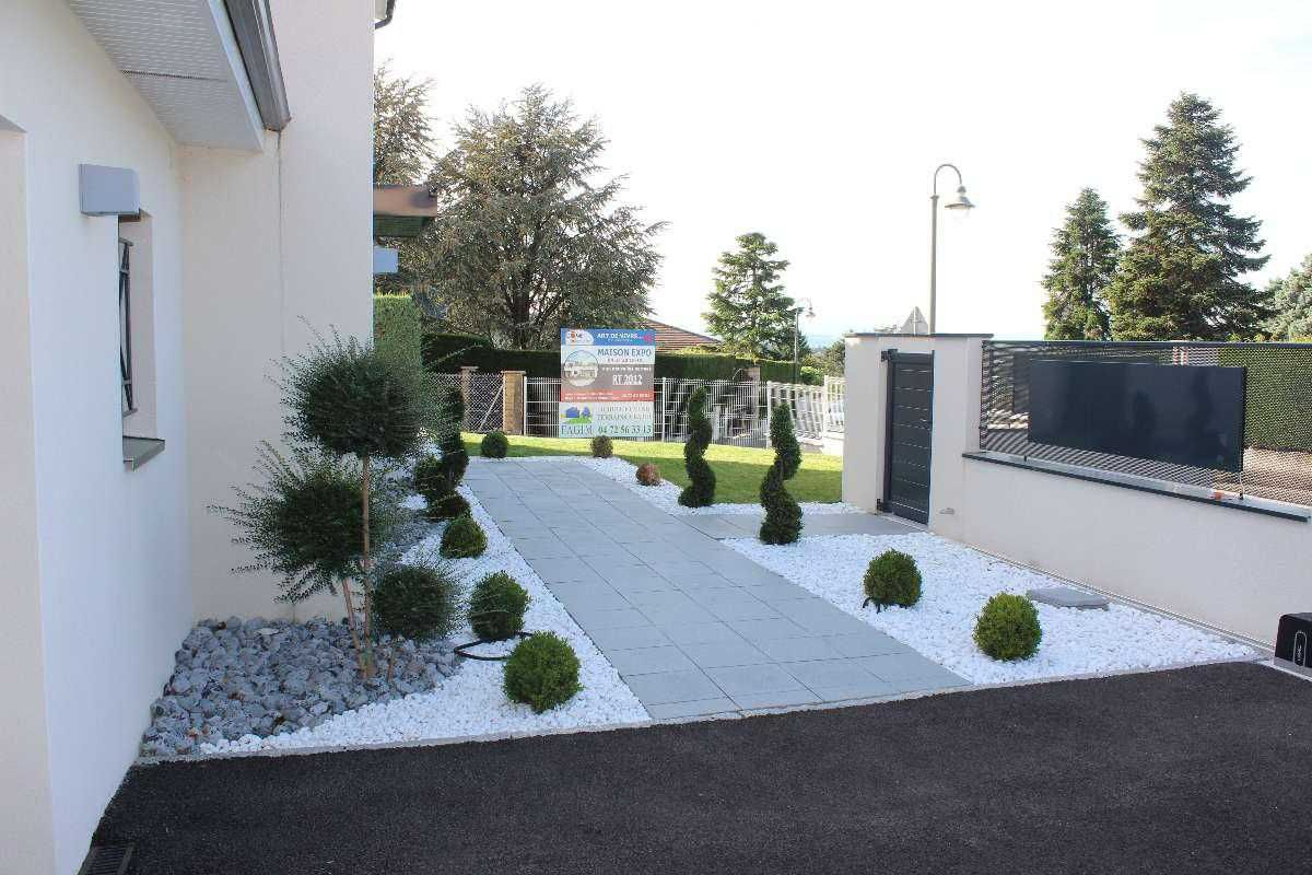 Amenager Entree Extérieure Maison Amenagement Entree E ... tout Idee Amenagement Jardin Devant Maison