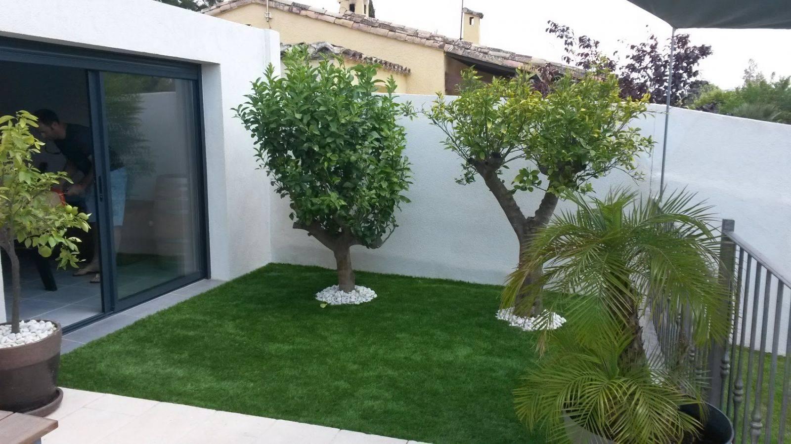 Aménager Son Jardin Avec Gazon Synthétique, Marseille ... tout Aménager Son Jardin Pour Pas Cher