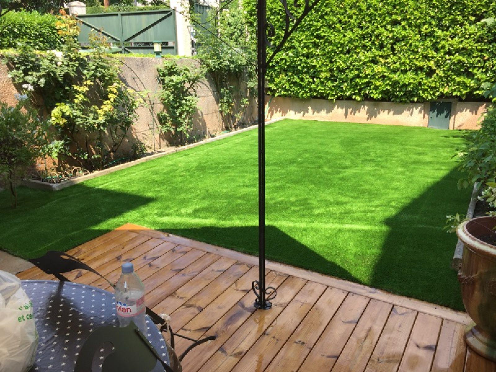 Aménager Un Jardin Avec Du Gazon Synthétique Marseille ... tout Aménager Son Jardin Pour Pas Cher