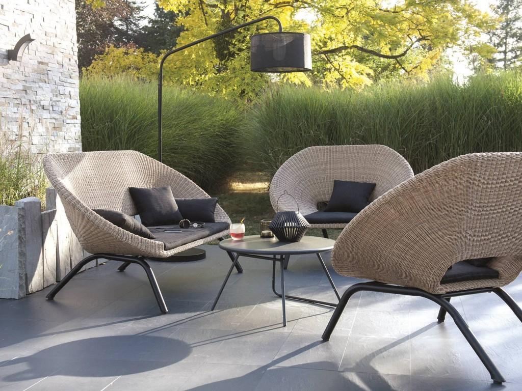 Aménager Un Salon De Jardin Chic À Prix Doux - Joli Place destiné Table De Jardin Design Pas Cher