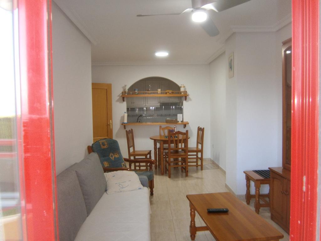 Apartamento Frente Al Mar, Villajoyosa, Spain - Booking concernant Promo Table De Jardin