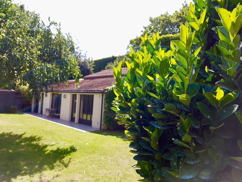 Apartment Le Jardin Secret, Joinville-Le-Pont, France ... pour Hotel Des Jardins Vincennes