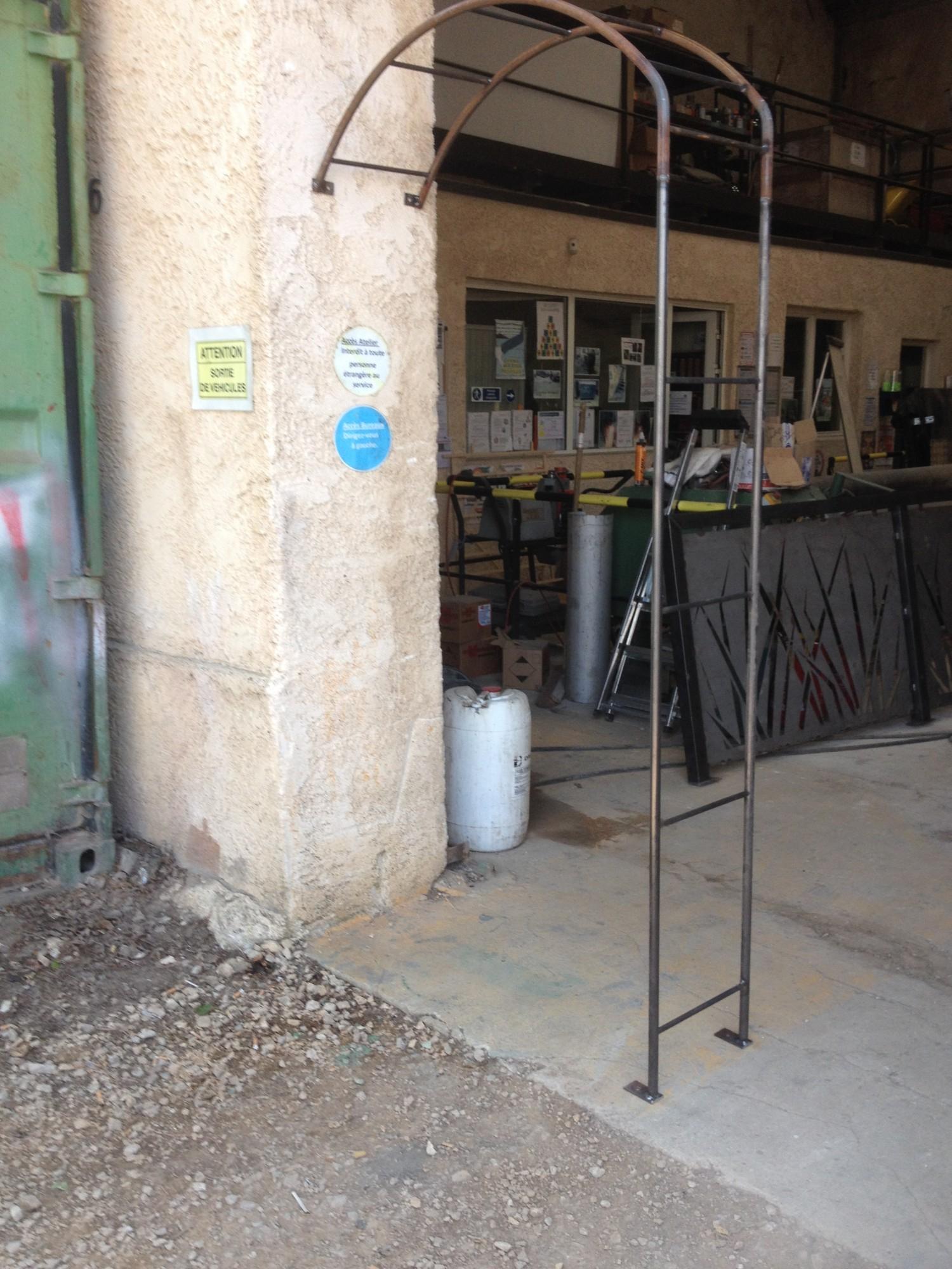 Arche De Jardin En Fer Forge A Martigues Fabrique Sur Mesure ... dedans Arche De Jardin En Fer