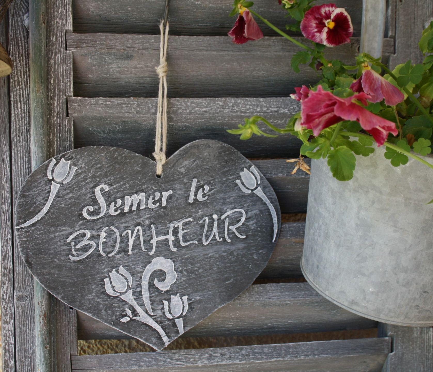 """Ardoise En Forme De Coeur """"semer Le Bonheur"""" : Accessoires ... dedans Ardoise Deco Jardin"""