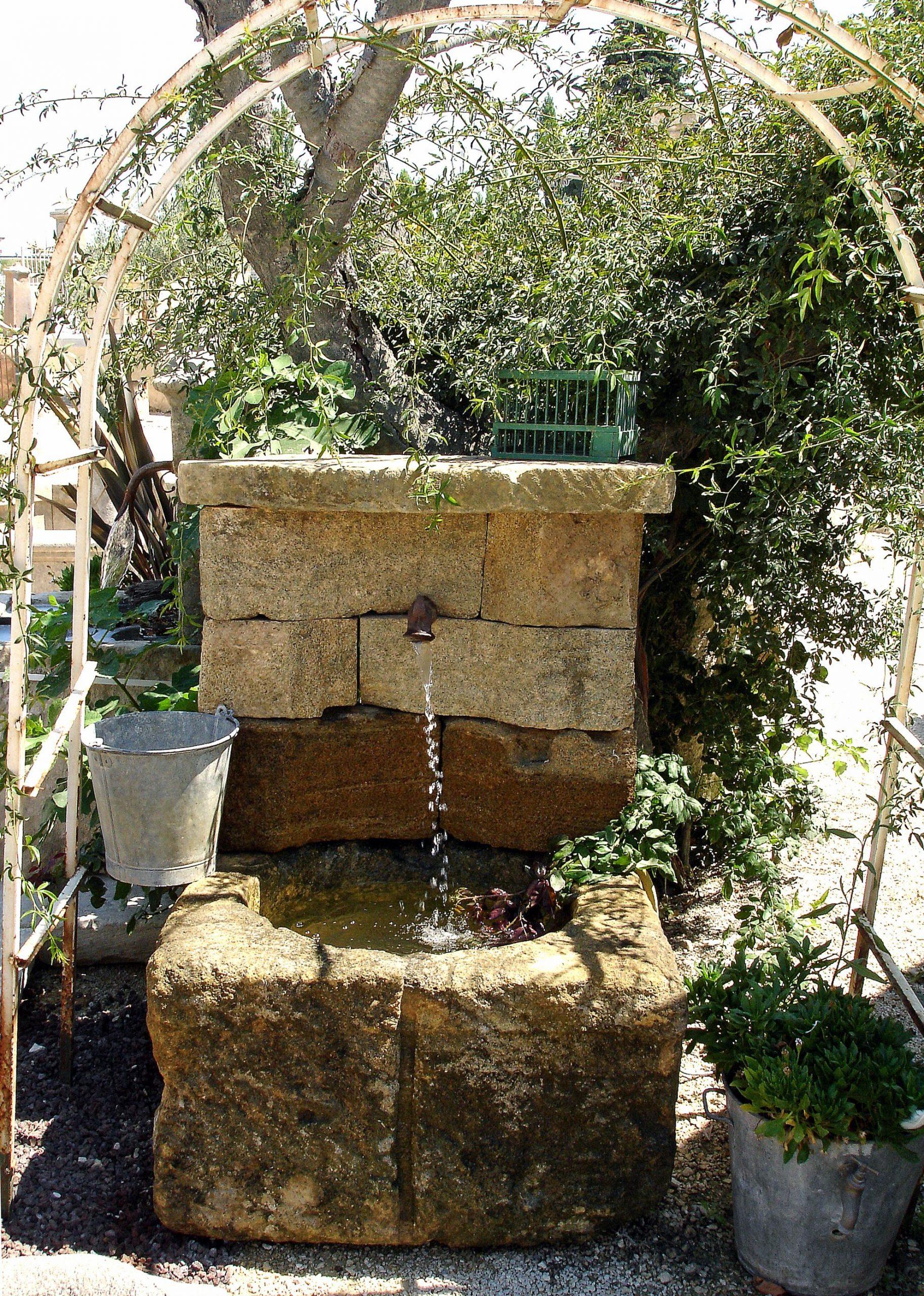 Atelier Alain Bidal #atelierbidal : Fabrication Artisanale ... tout Construire Fontaine De Jardin