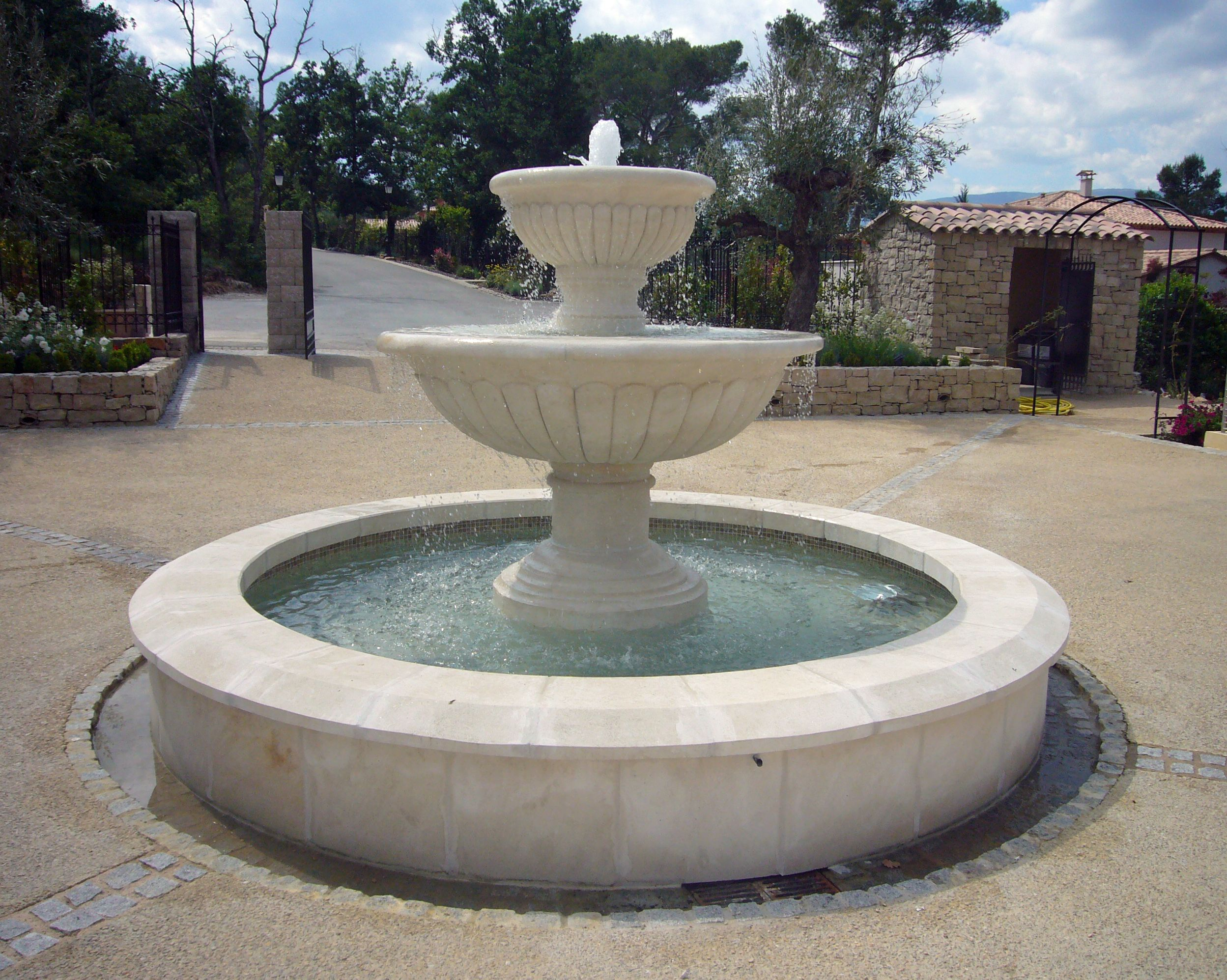 Atelierbidal : Belle Fontaine Ronde À Double Vasques À ... serapportantà Vasque En Pierre Pour Jardin