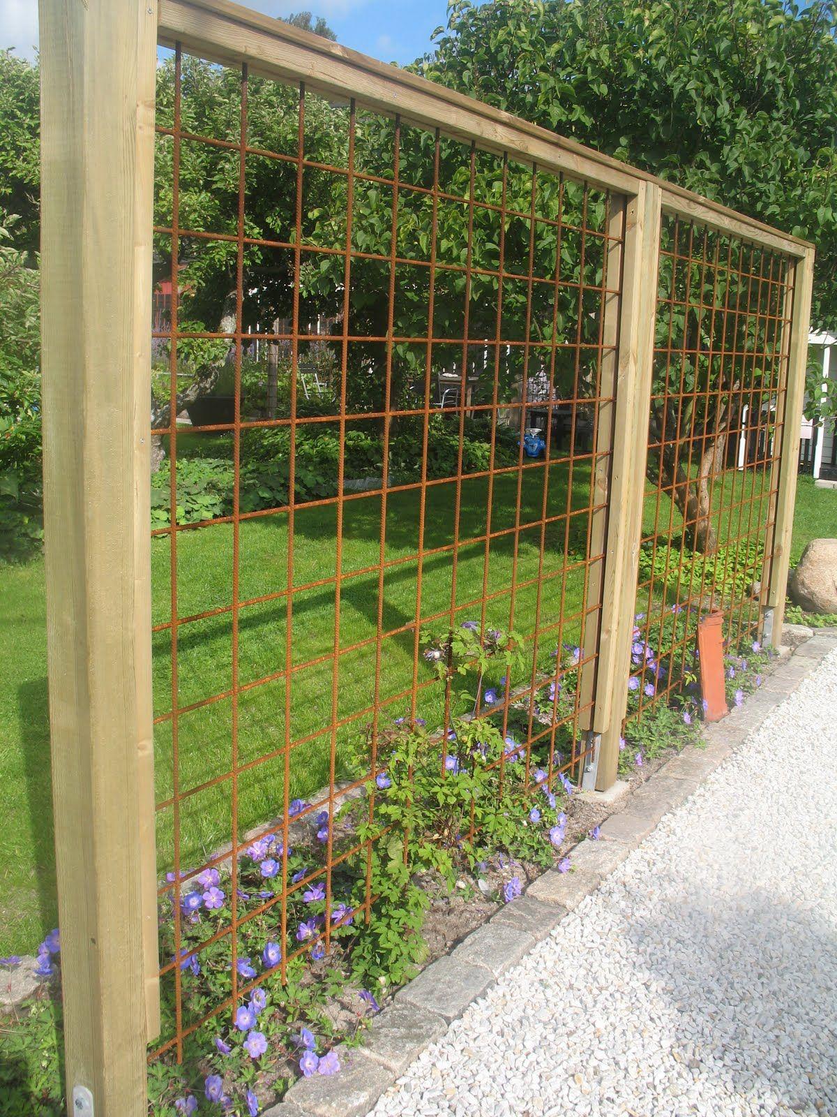Avec Des Fer À Béton (Treillis Soudé) | Jardin | Garden ... destiné Treillis Metal Jardin