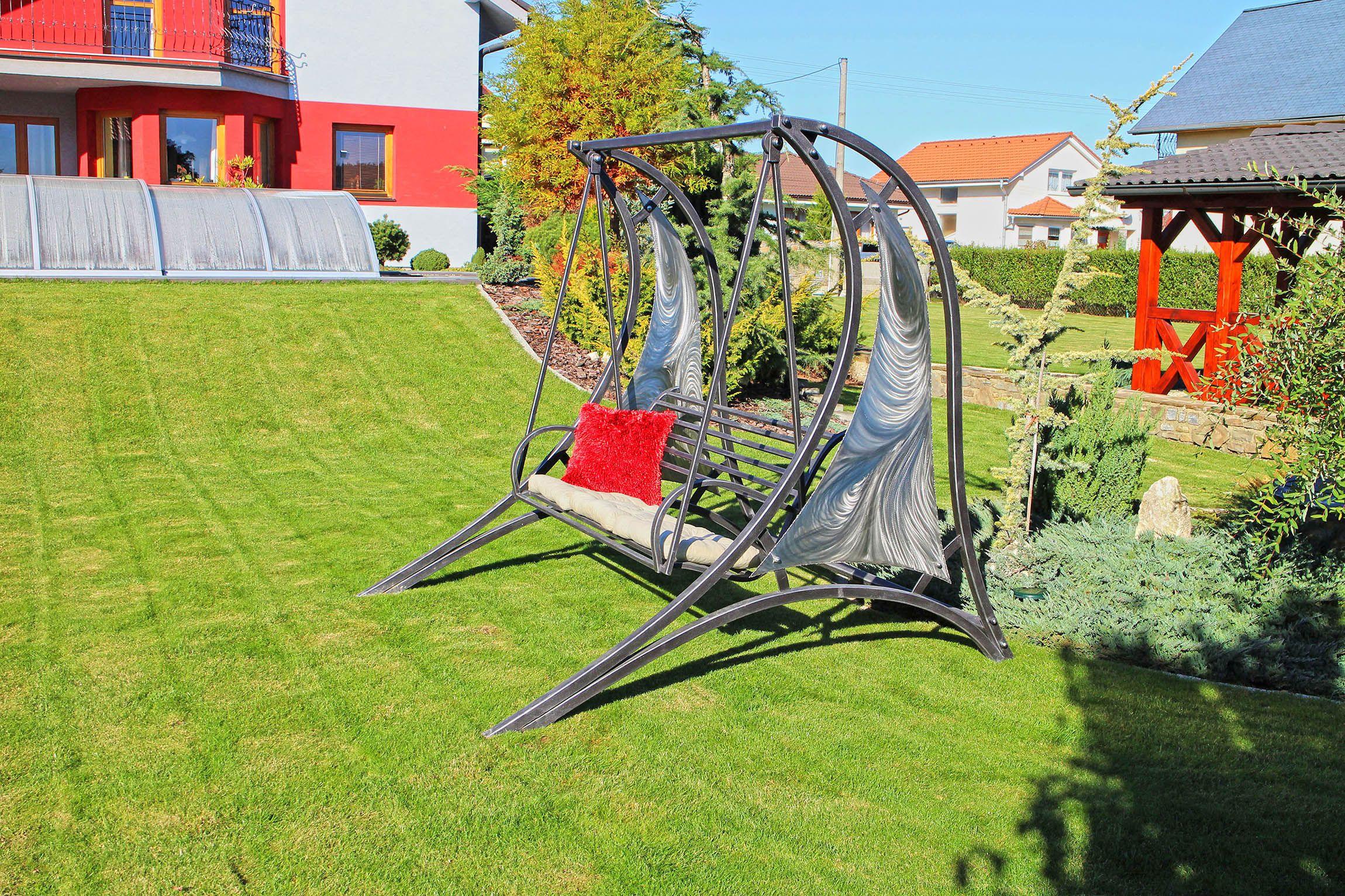 Balançoire De Jardin Moderne, En Fer Forgé Faite À La Main ... serapportantà Balancoire Pour Petit Jardin