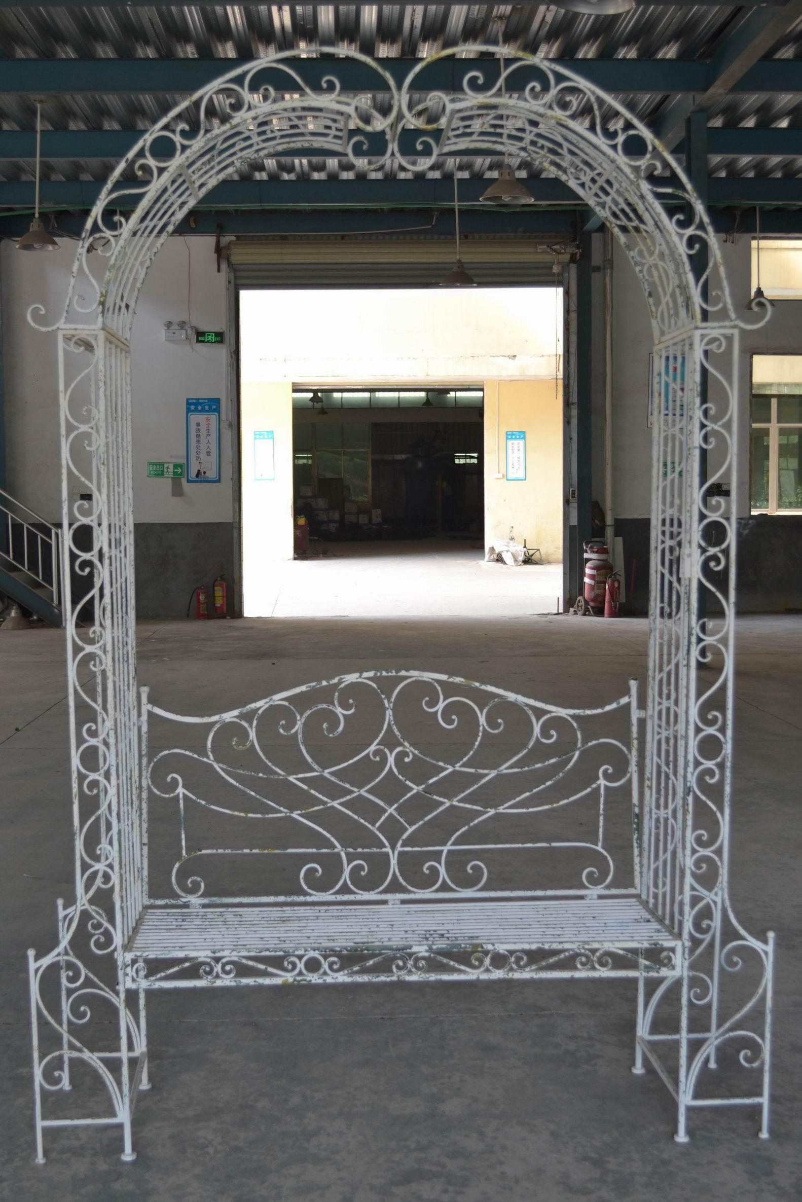 Banc Arche En Fer Forgé Patiné Blanc Antique pour Arche De Jardin En Fer