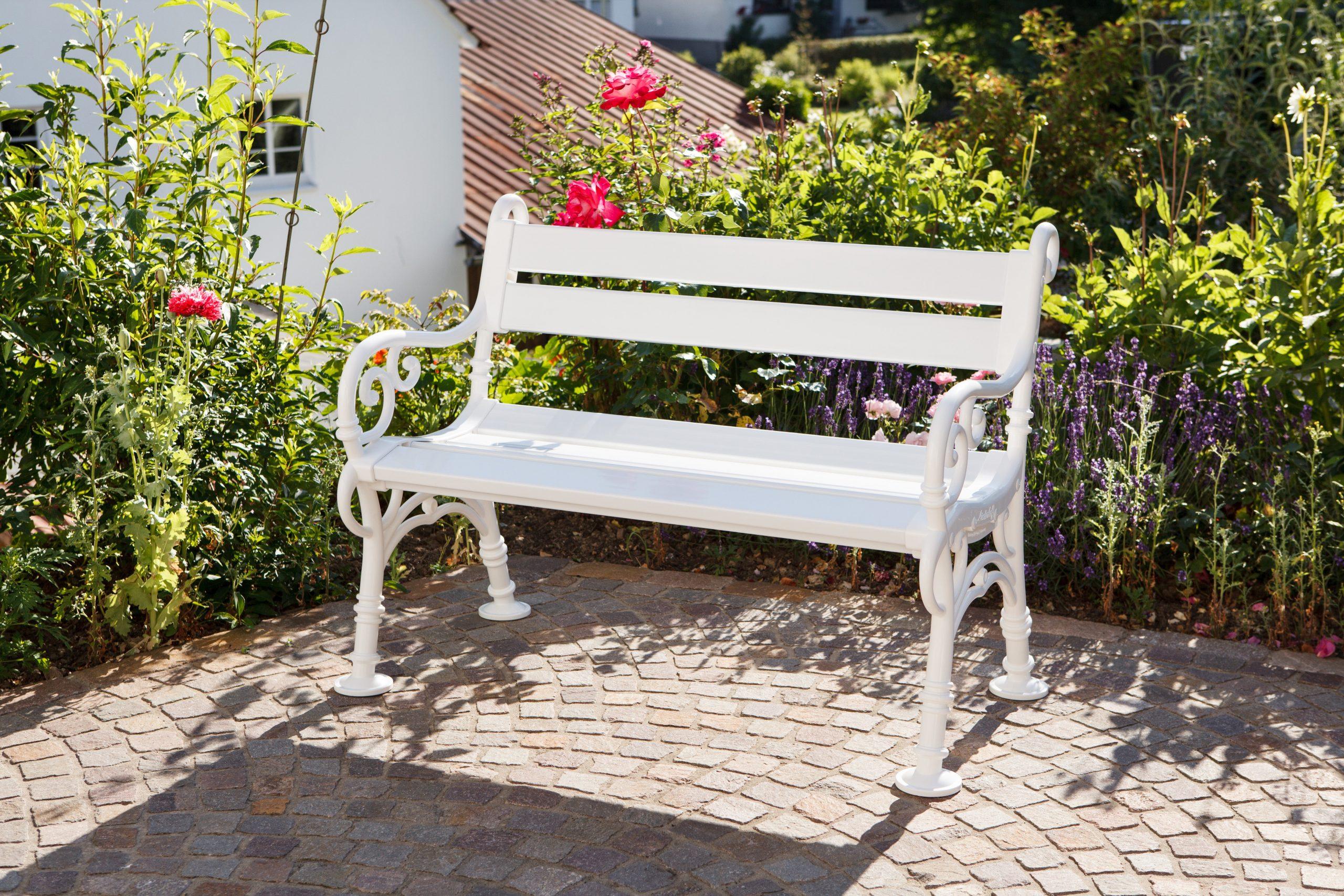 Banc De Jardin En Résine Blome Linderhof, 2 Personnes, Blanc destiné Banc De Jardin Leroy Merlin