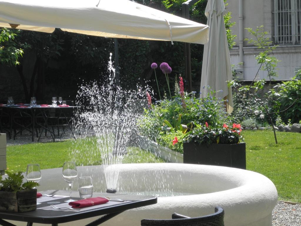 Bassin De Jardin Avec Jet D'eau encequiconcerne Jet D Eau Pour Fontaine De Jardin