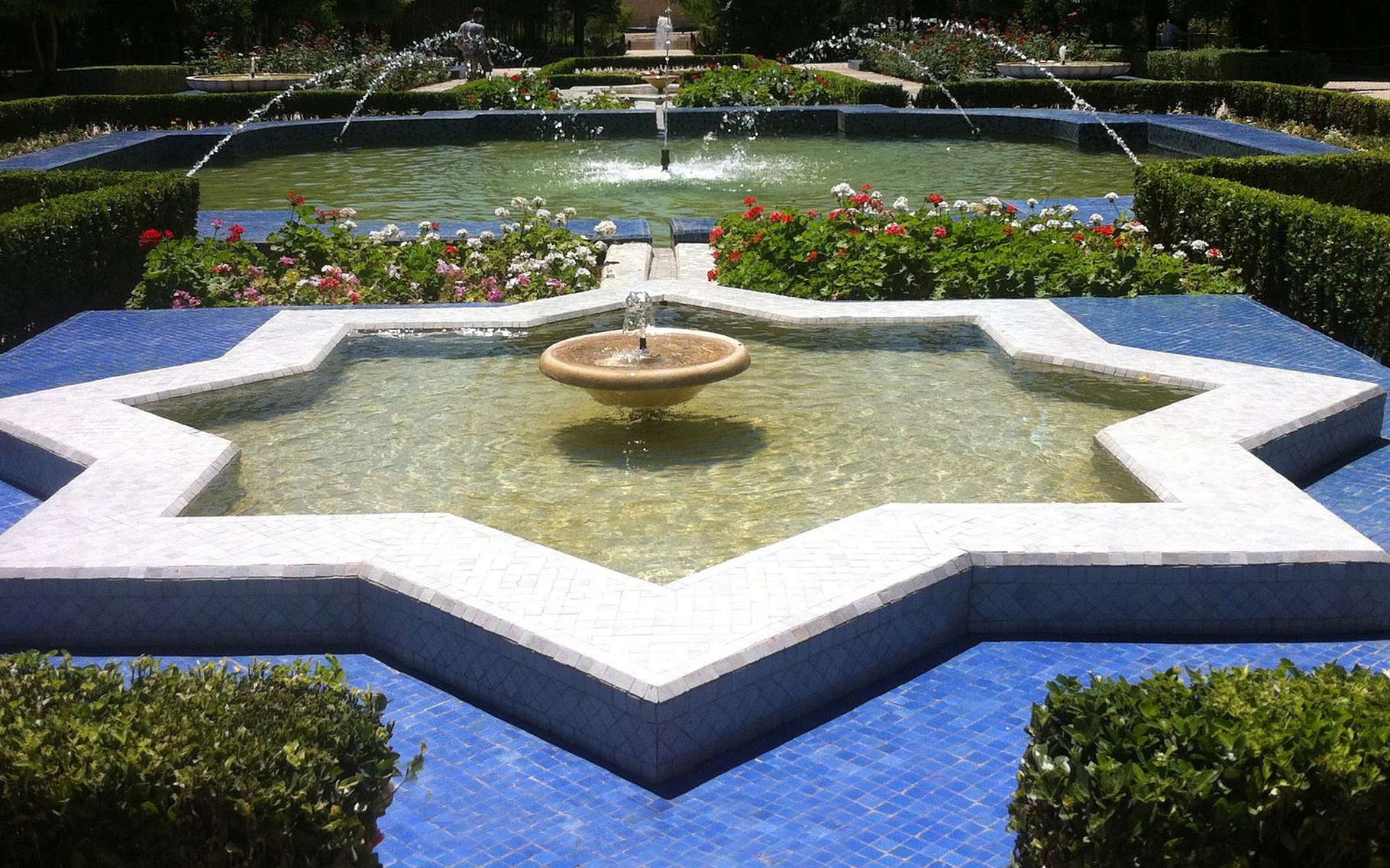 Bassin De Jardin Préformé : Choix De La Forme Et Des ... pour Bassin De Jardin Préformé Grande Taille