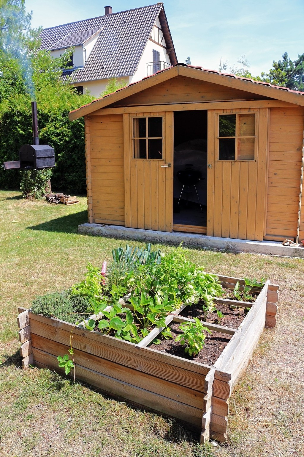 Bien Choisir Son Abri De Jardin | La Chronique Républicaine intérieur Abri De Jardin Moins De 5M2
