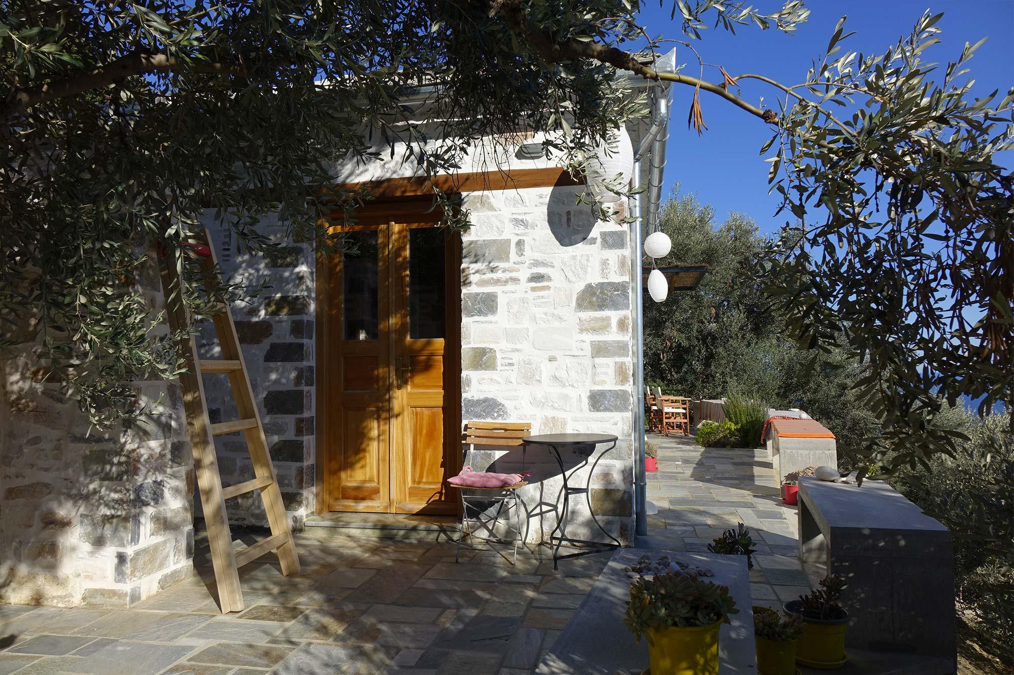 Bienvenue - Afeilianes Stone Houses dedans Salon De Jardin Maison Du Monde