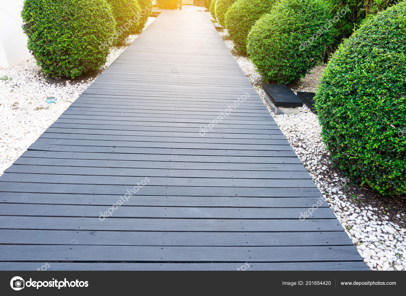Black Wooden Garden Path Tropical Garden — Stock Photo ... encequiconcerne Allée De Jardin En Bois