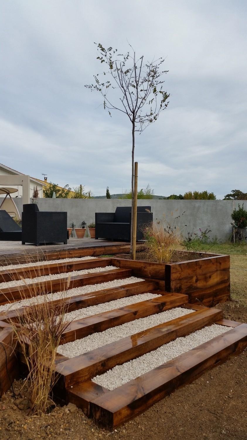 Bois Pour L'aménagement De Votre Jardin - Paysagiste Sète avec Traverse Bois Pour Jardin