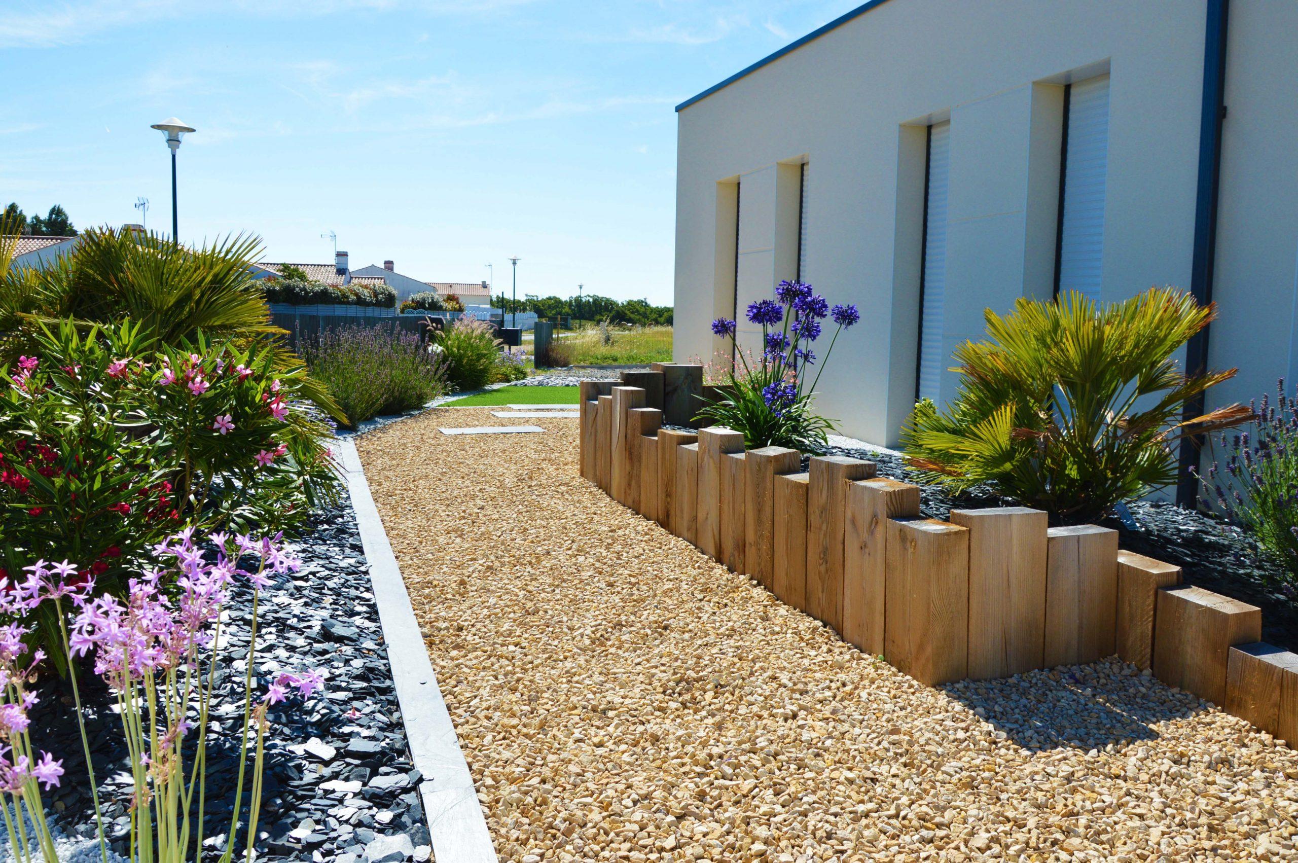 Bordure Ardoise Et Muret En Bois - Rokaï - Paysagiste En Vendée avec Bordure Bois Pour Jardin