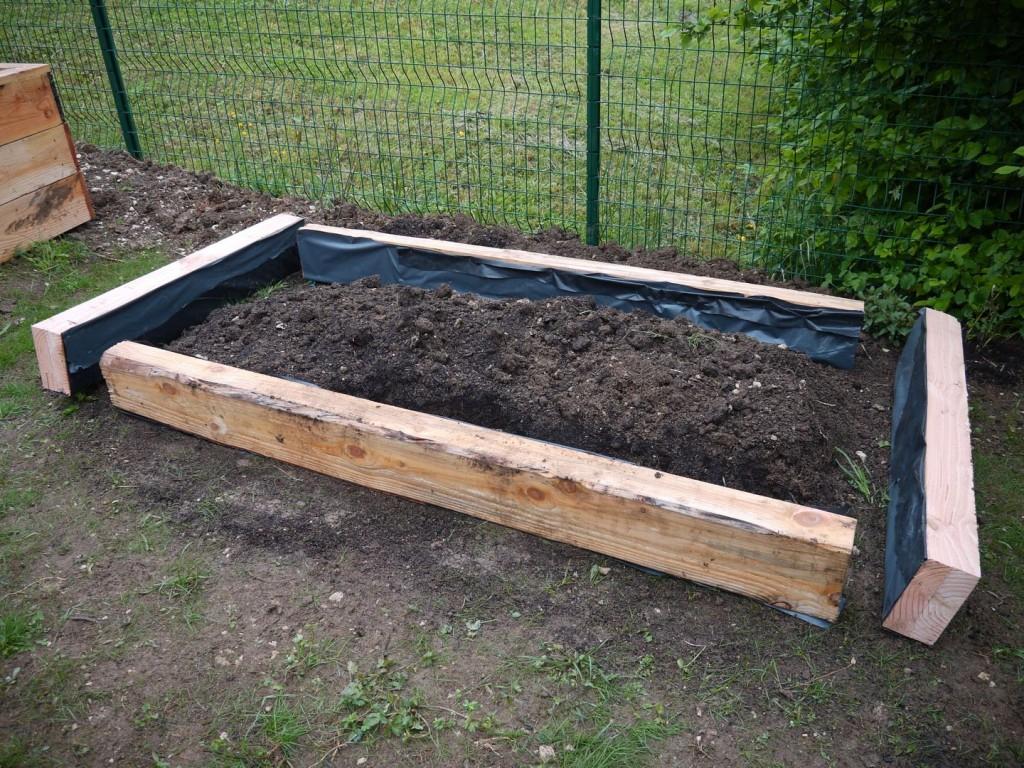 Bordure Bois Du Talus, Nouveau Jardin Et Création D'une ... tout Bordure Bois Pour Jardin