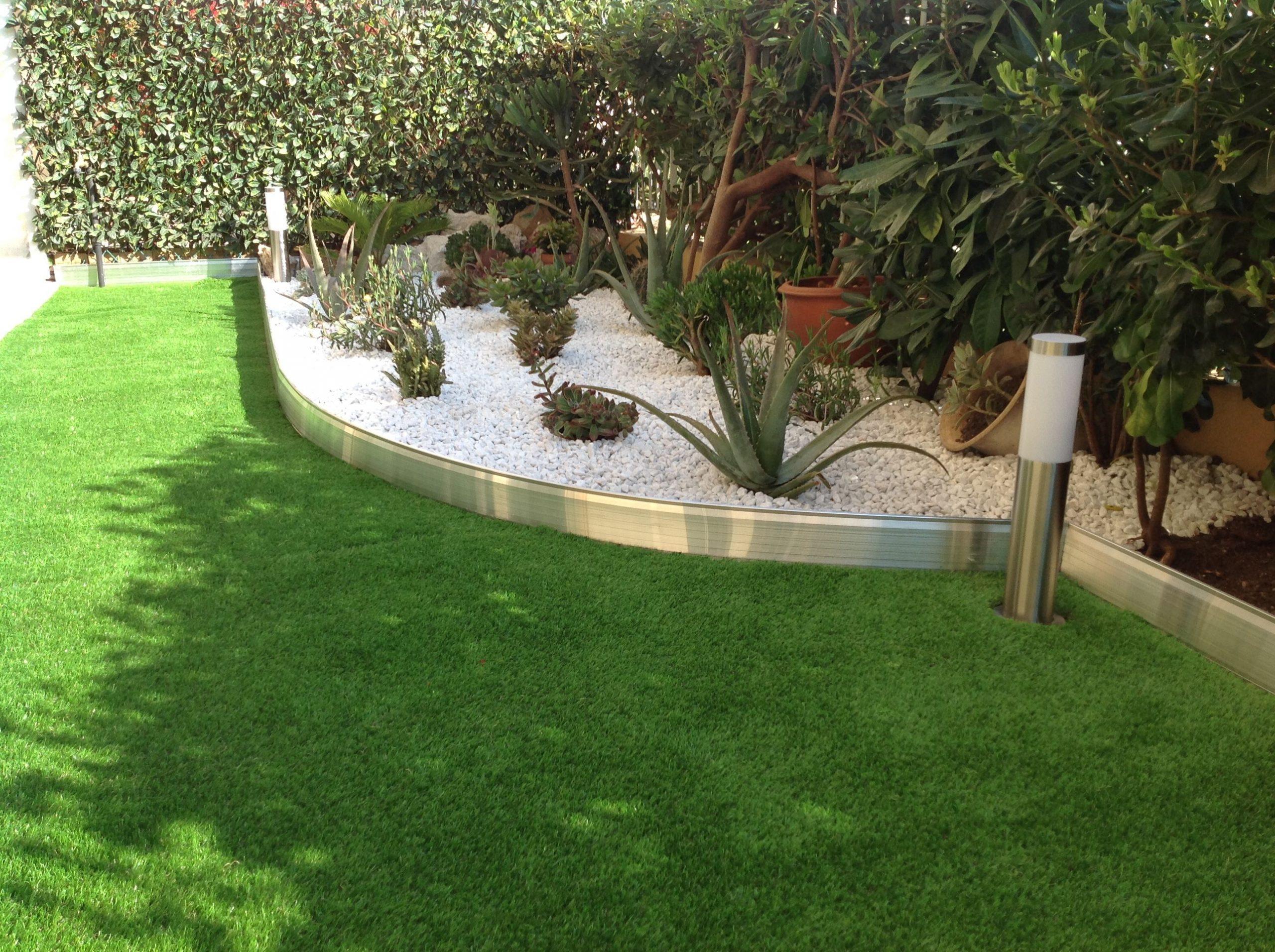 Bordure De Jardin En Aluminium Brut Avec Éclairage Led ... concernant Bordure De Jardin En Grillage