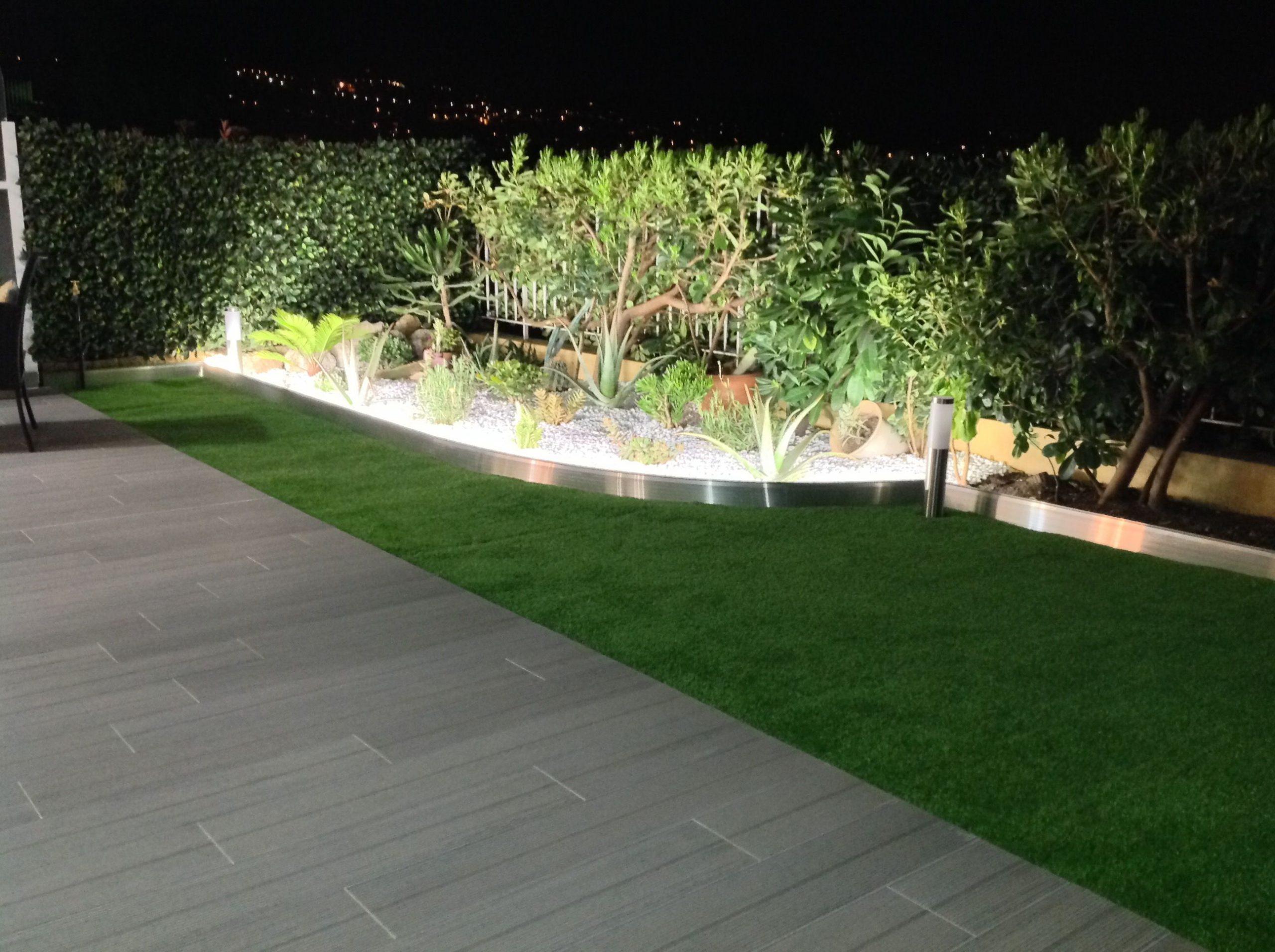 Bordure De Jardin En Aluminium Brut Avec Éclairage Led ... dedans Bordure Jardin Pvc