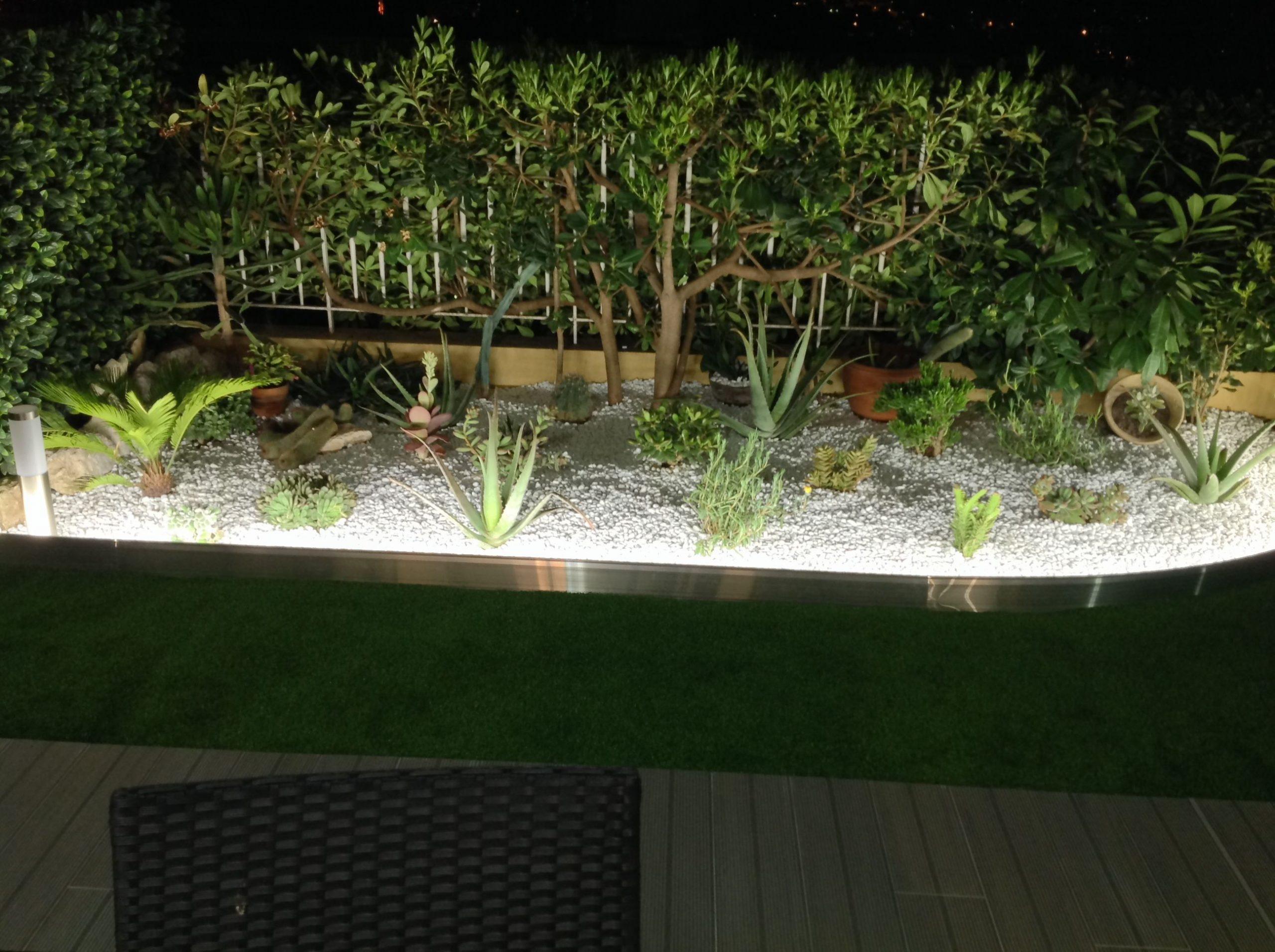 Bordure De Jardin En Aluminium Brut Avec Éclairage Led ... encequiconcerne Delimitation Jardin