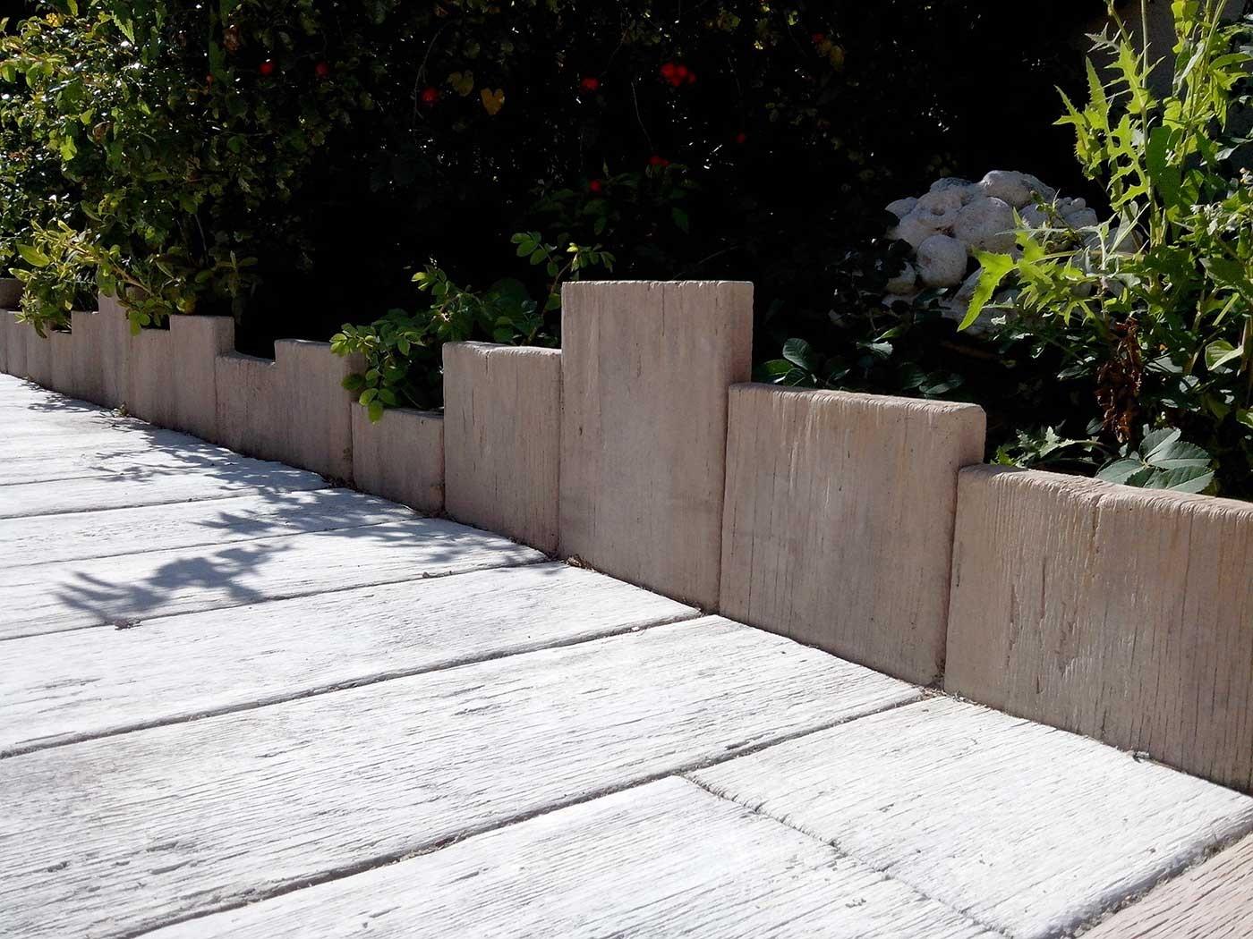 Bordure De Jardin En Pierre Reconstituée Planche Apparence ... intérieur Bordure De Jardin En Palette