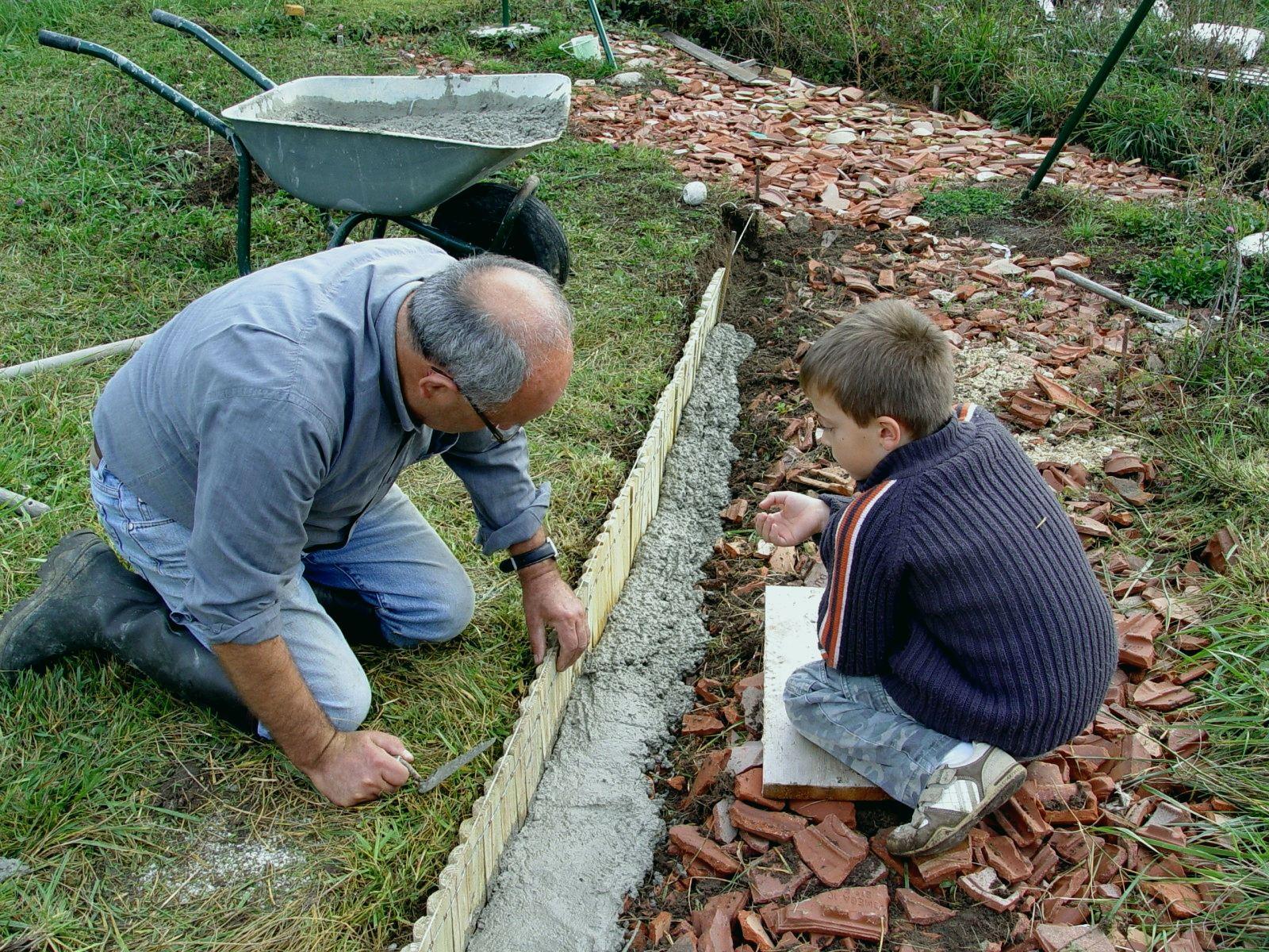 Bordure De Jardin Pierrebordureleroy Merlin Bordure Jardin ... concernant Bordure De Jardin En Ciment Leroy Merlin