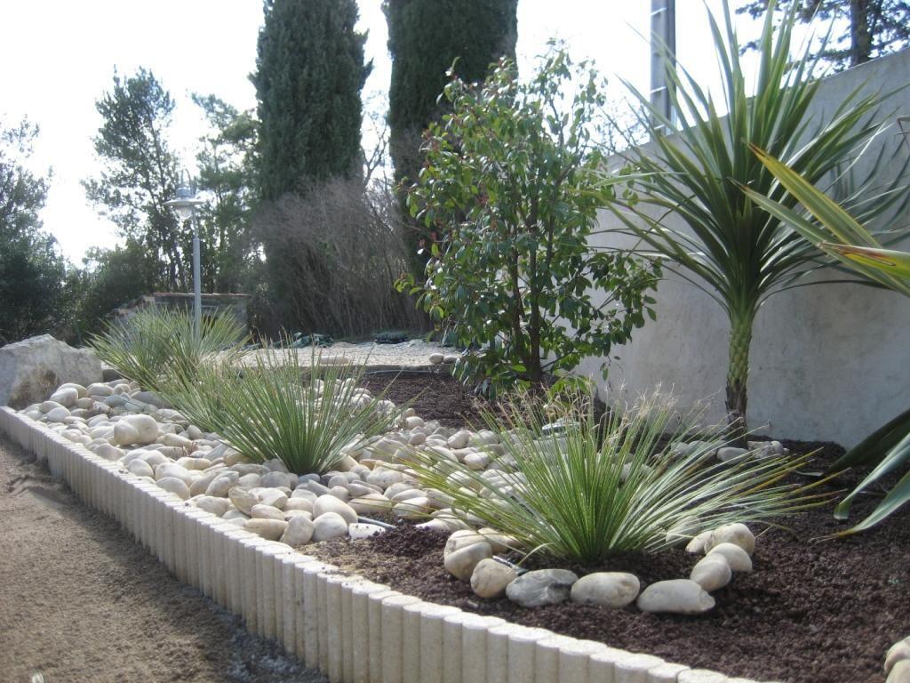 Bordure Galets Et Graminées   Amenagement Jardin, Idées ... tout Cailloux Décoration Jardin