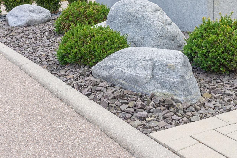 Bordure P1 : Comment La Poser En Quelques Étapes destiné Bordure De Jardin Beton